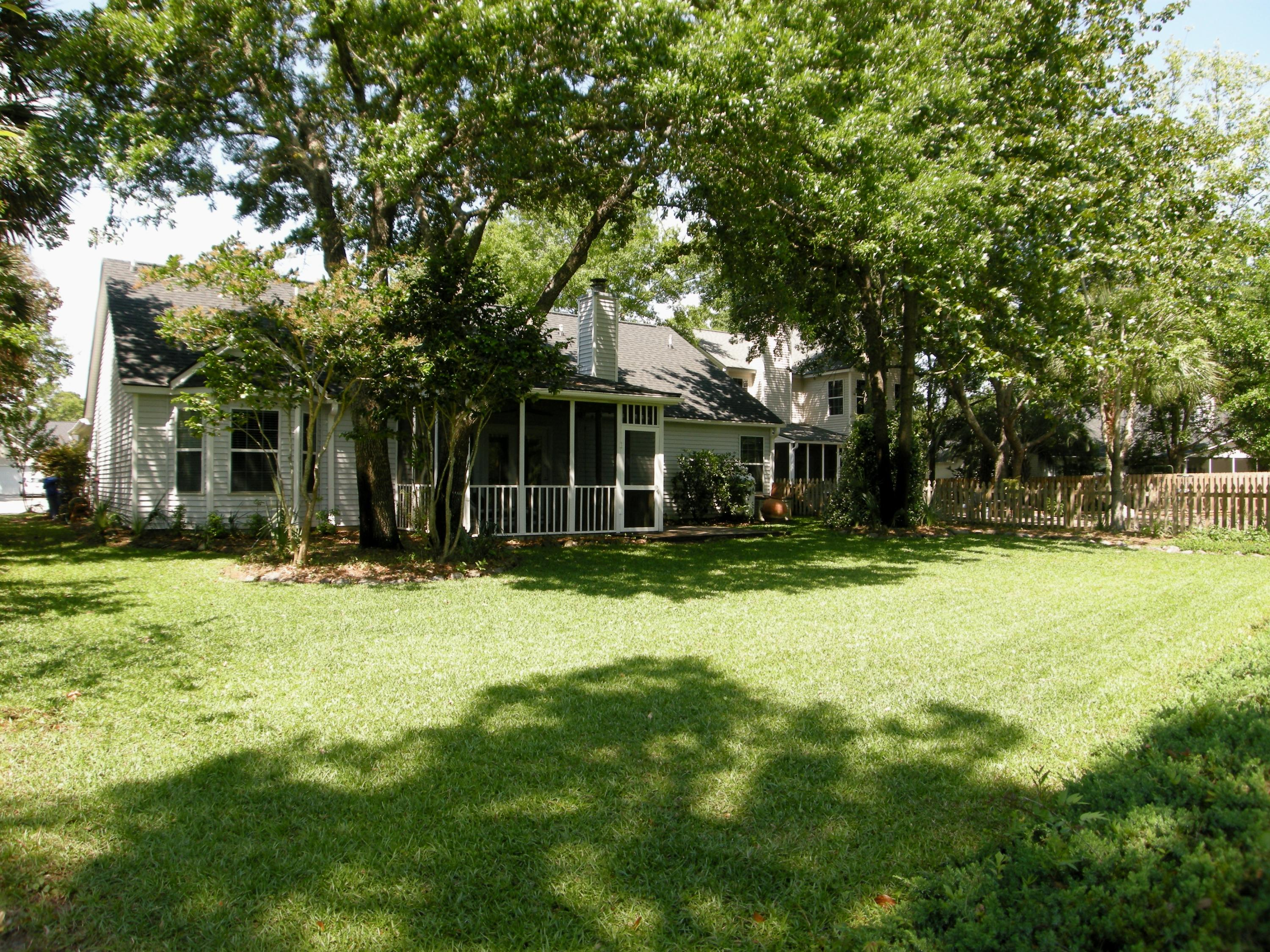 1313 Battery Hill Court Mount Pleasant, SC 29466
