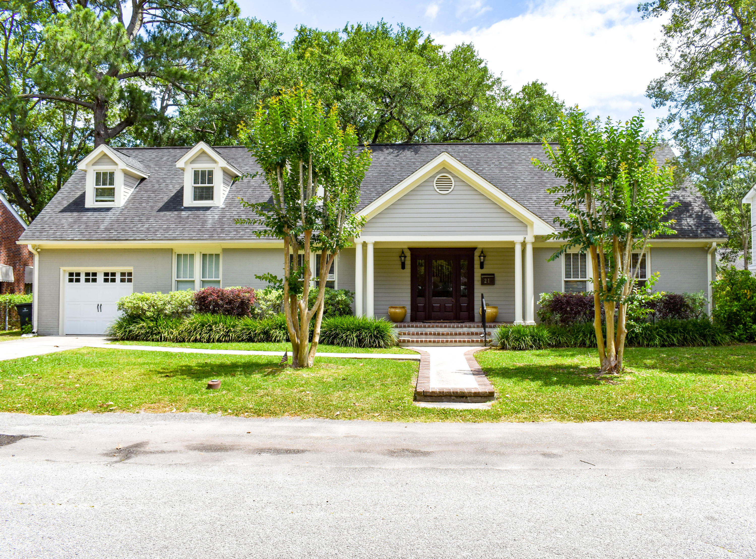 21 Lord Ashley Drive Charleston, SC 29407