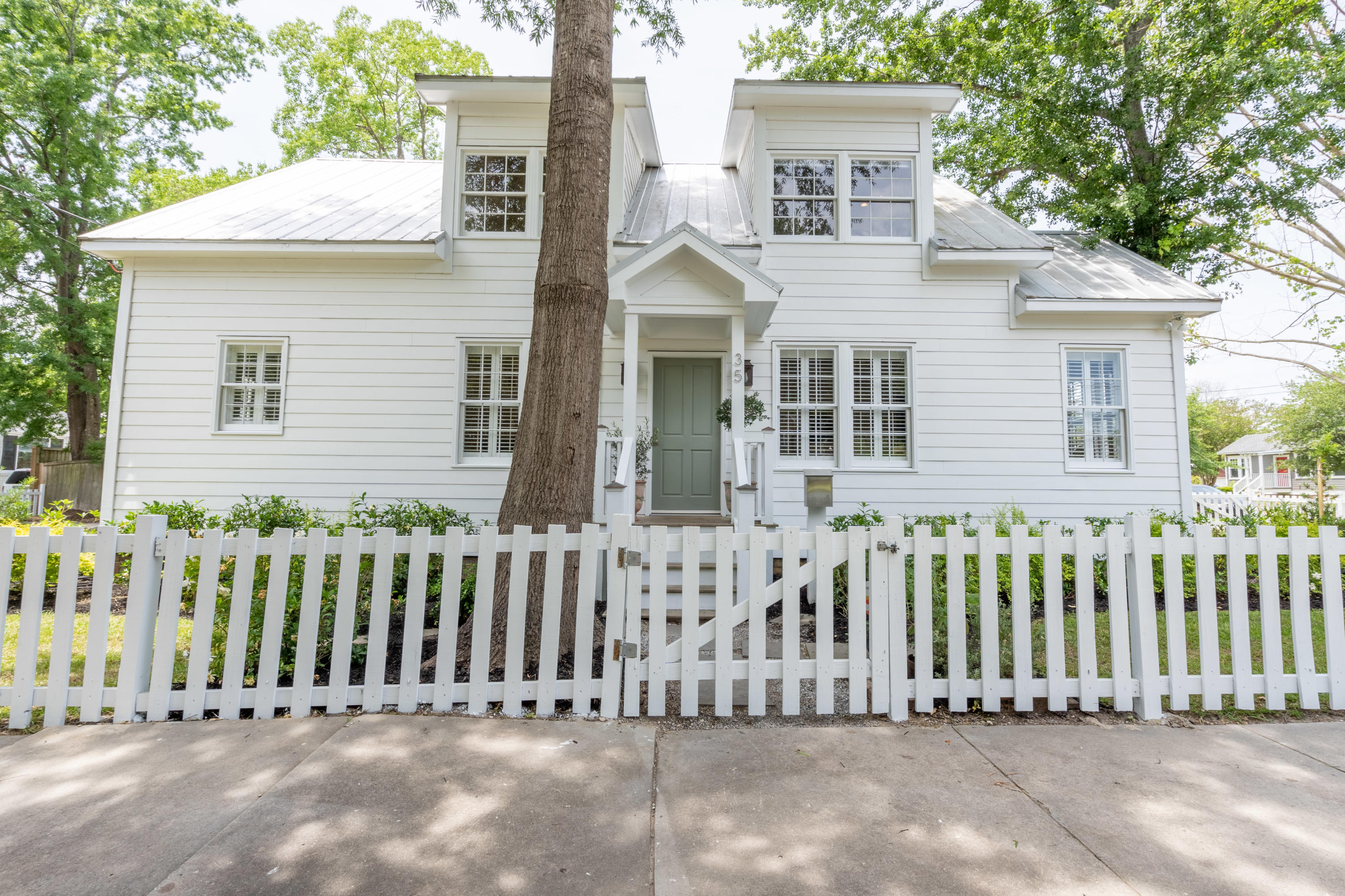 35 Piedmont Avenue Charleston, SC 29403