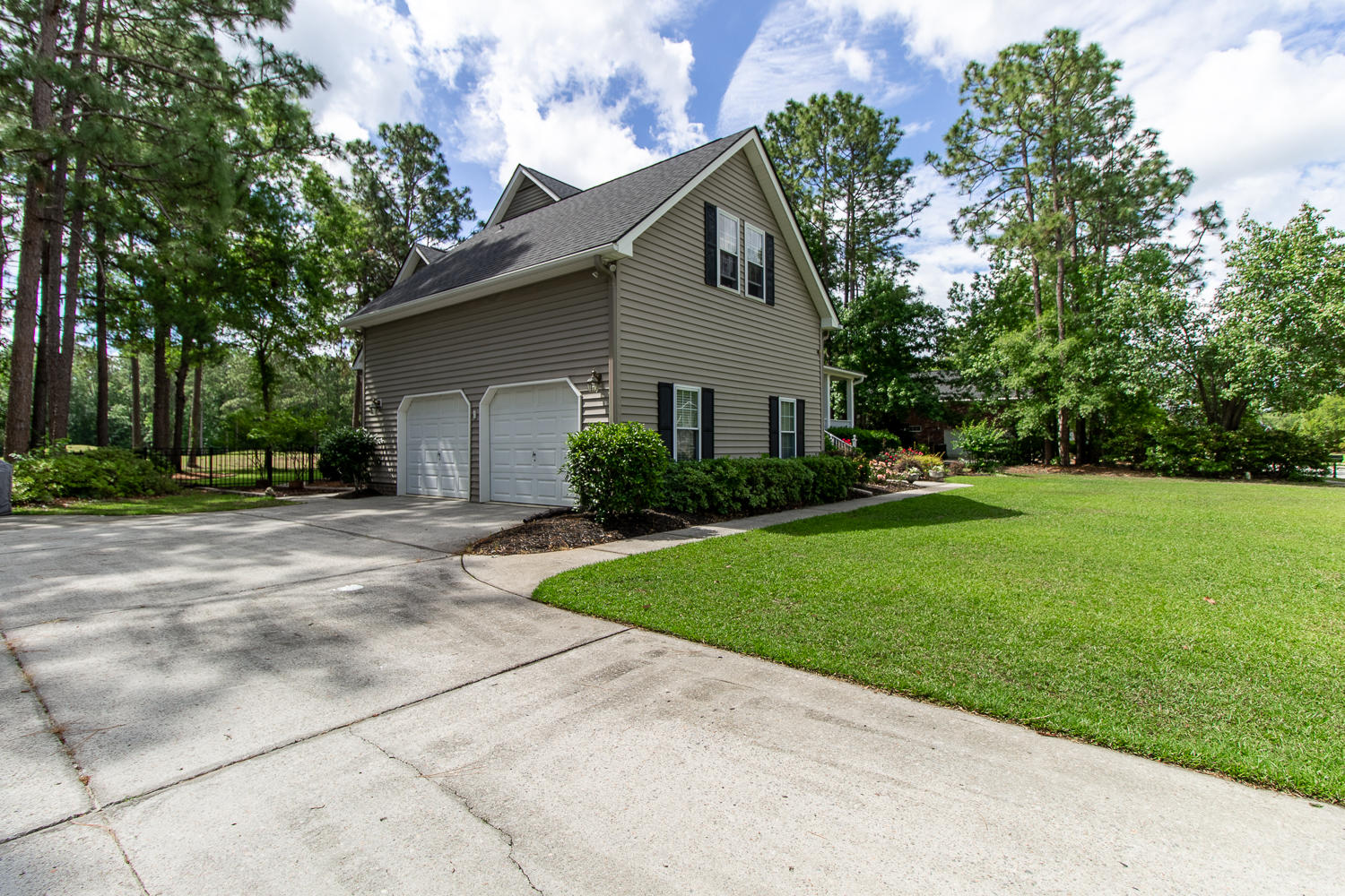 204 Bellerive Lane Summerville, SC 29483