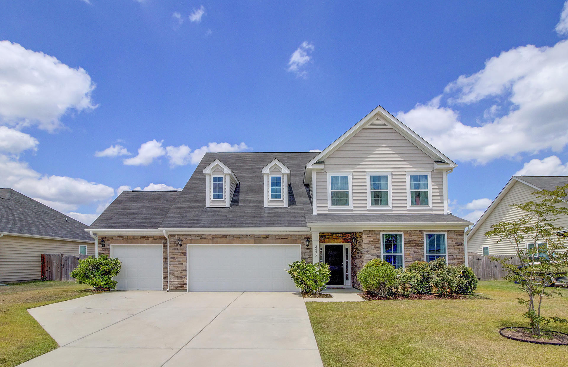 2035 Triple Crown Lane Ridgeville, SC 29472