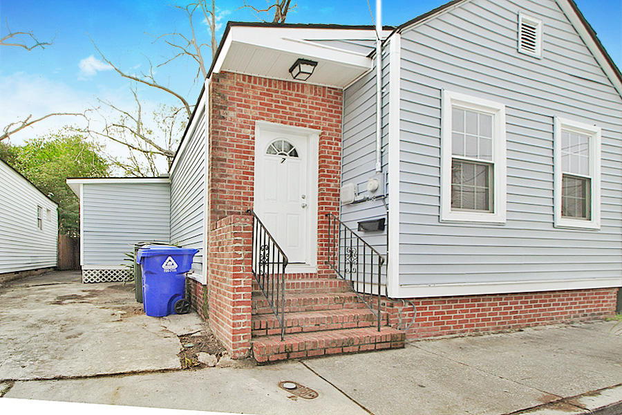 7 Carondolet Street Charleston, SC 29403