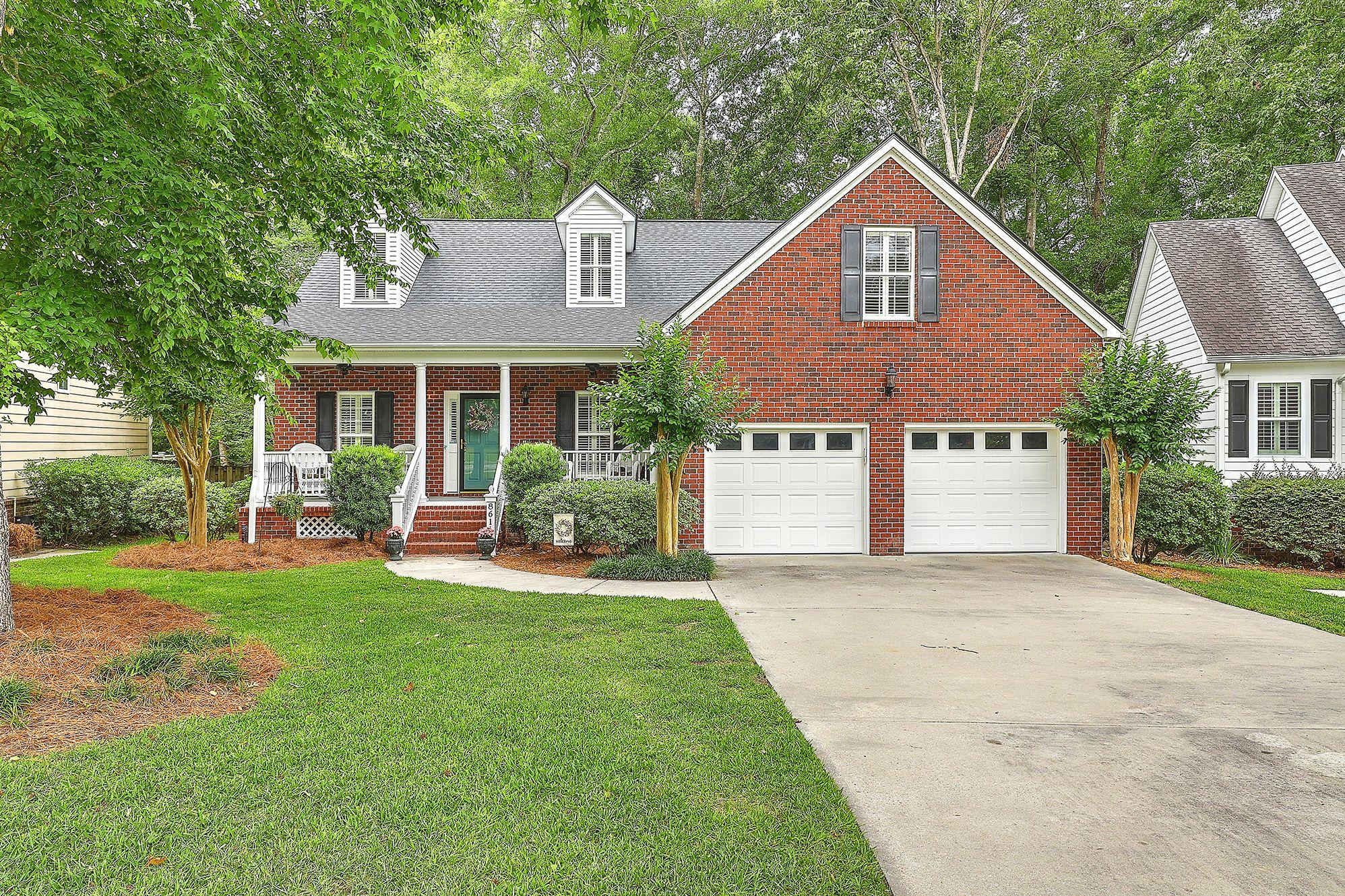 8611 Woodland Walk North Charleston, SC 29420