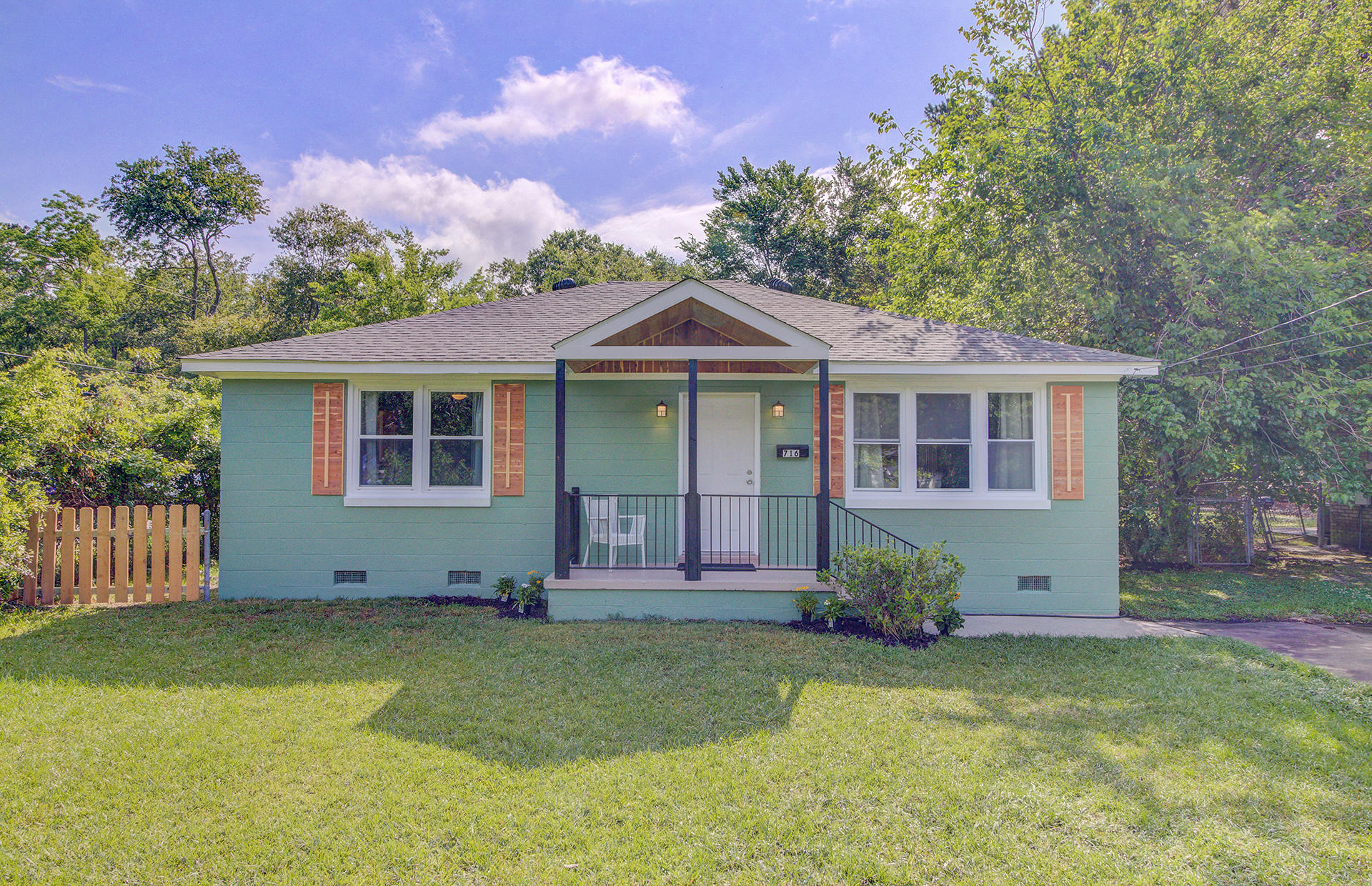 716 White Oak Drive Charleston, SC 29407