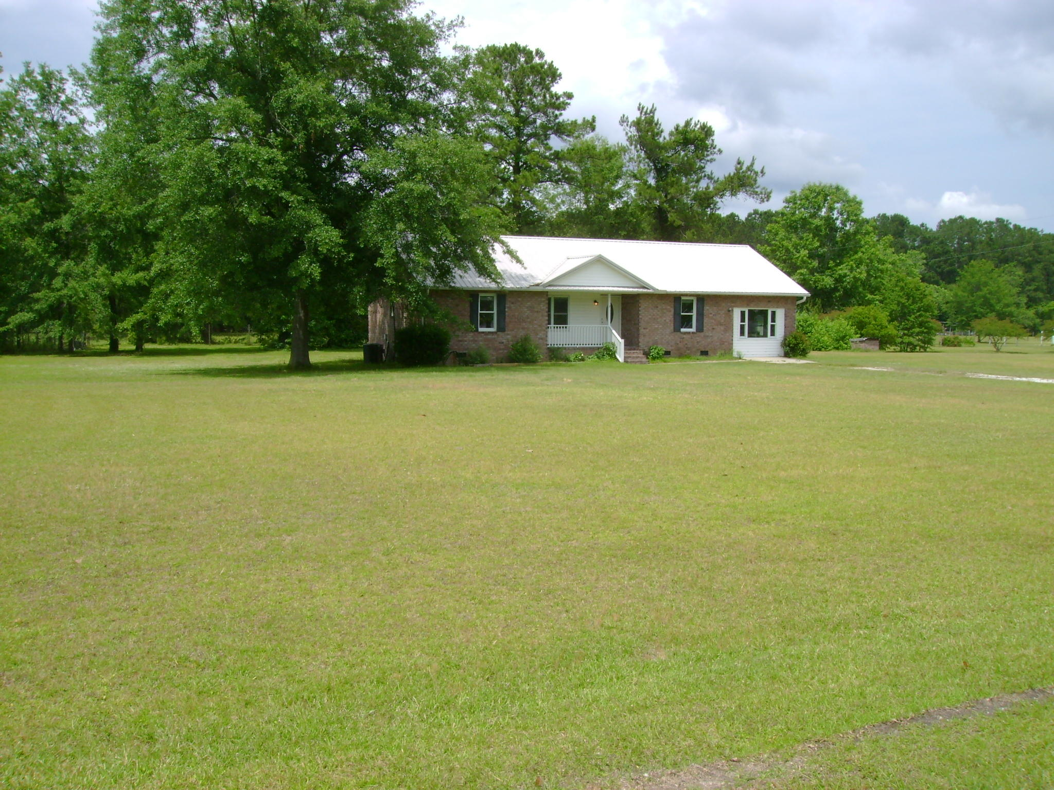 217 Mini Farm Road Bonneau, SC 29431