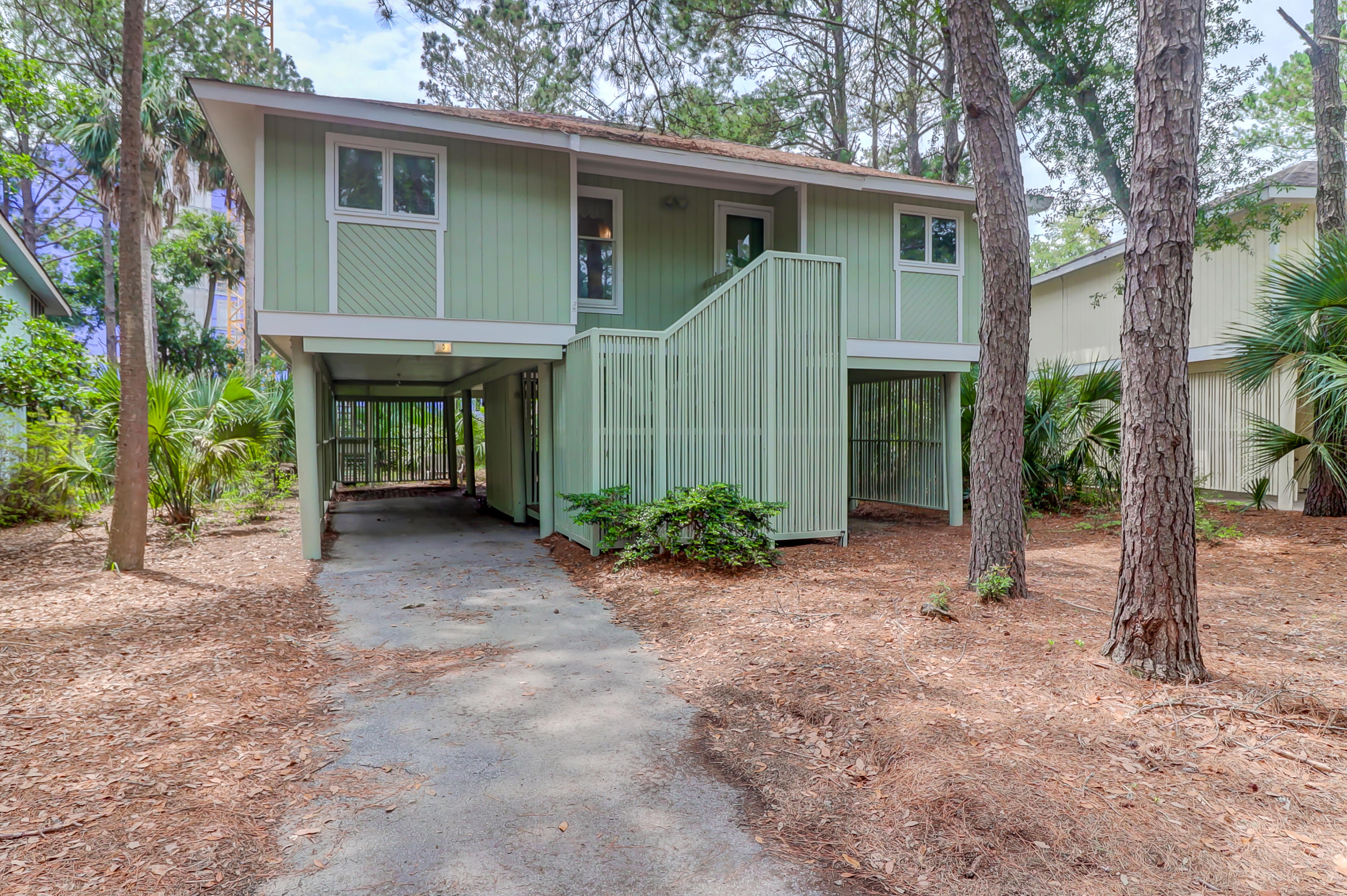 5 Twin Oaks Lane Isle Of Palms, SC 29451