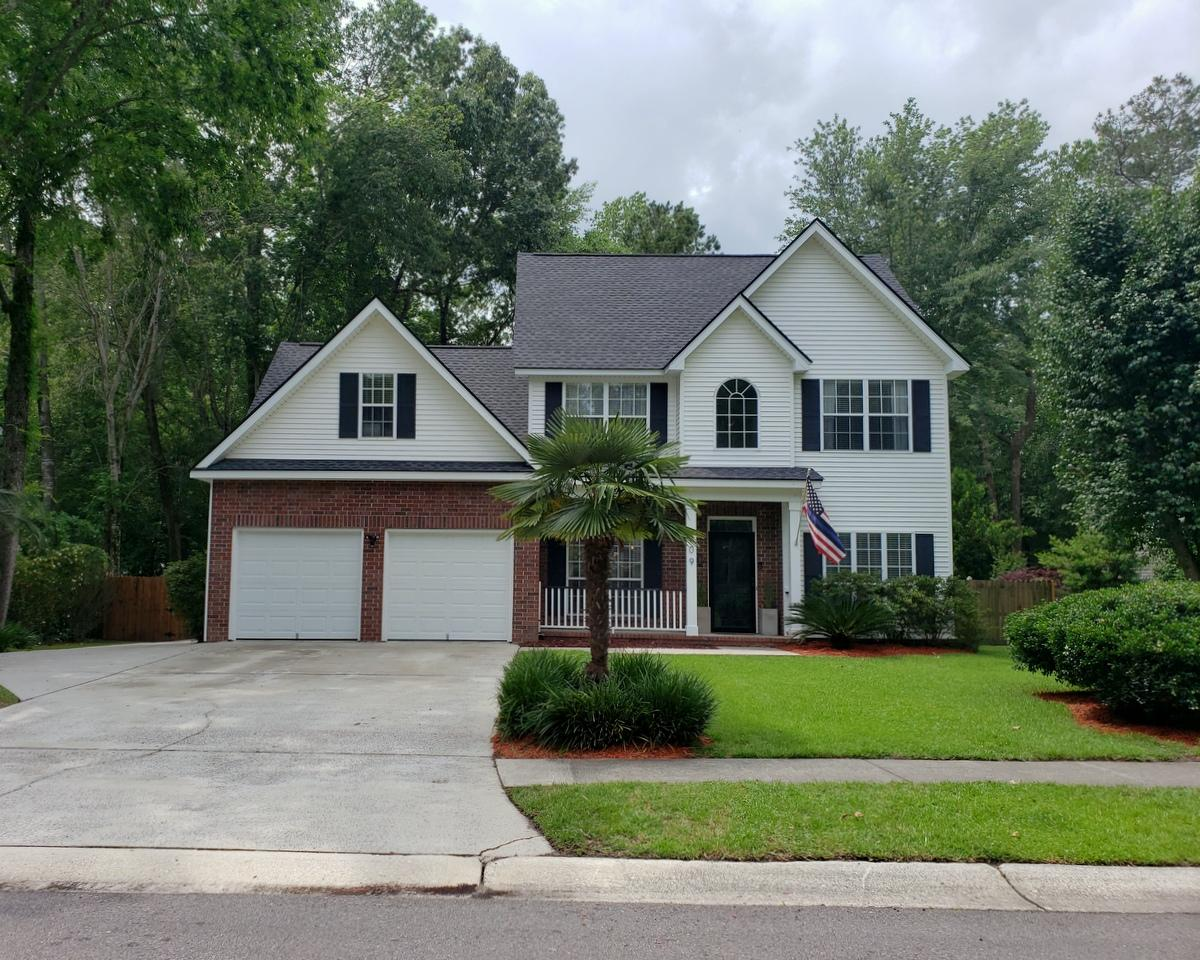 209 Essex Drive Summerville, SC 29485