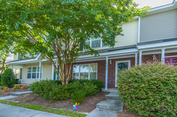 7953 Shadow Oak Drive North Charleston, SC 29406