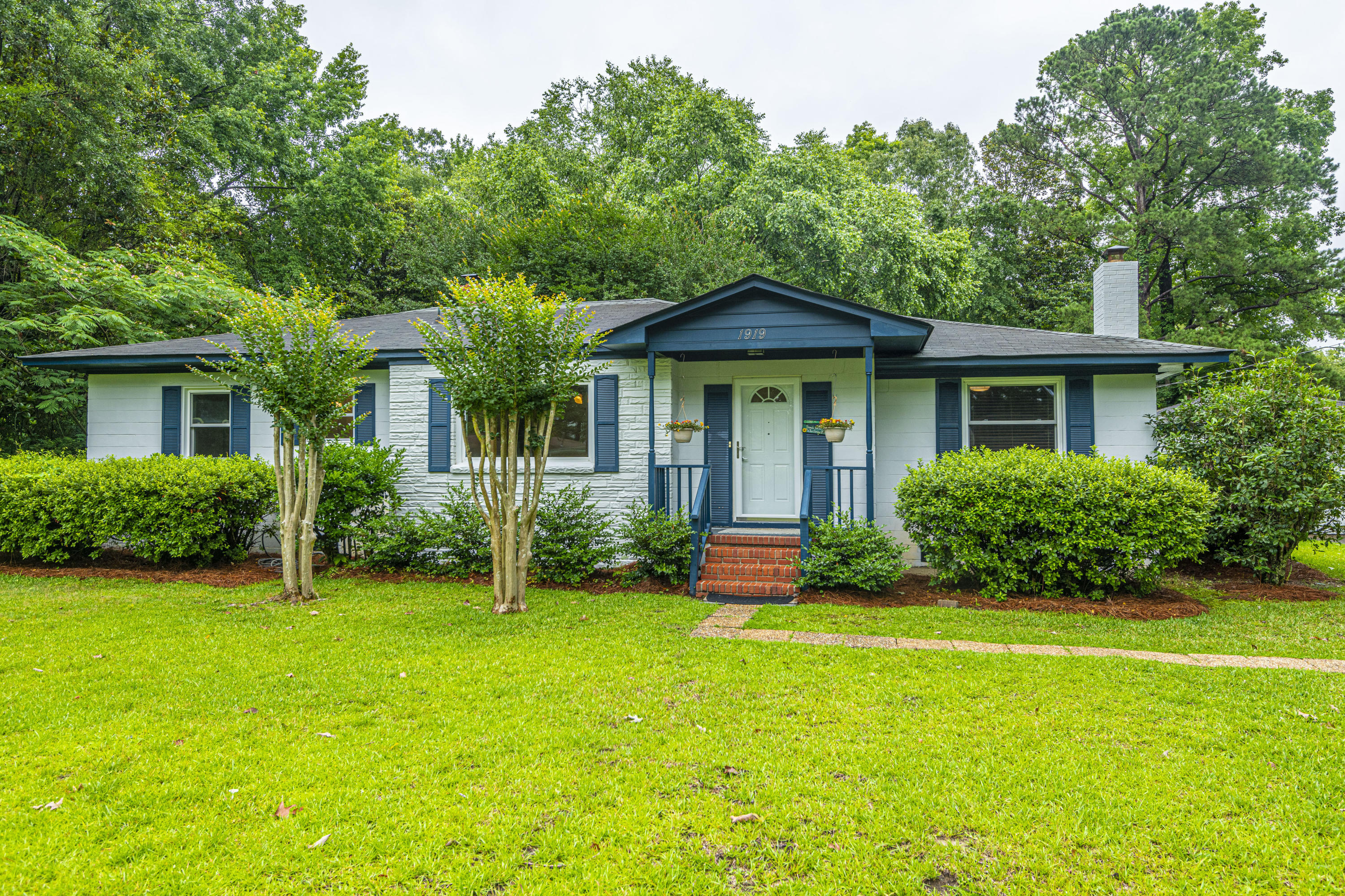 1919 Fruitwood Avenue Charleston, SC 29414