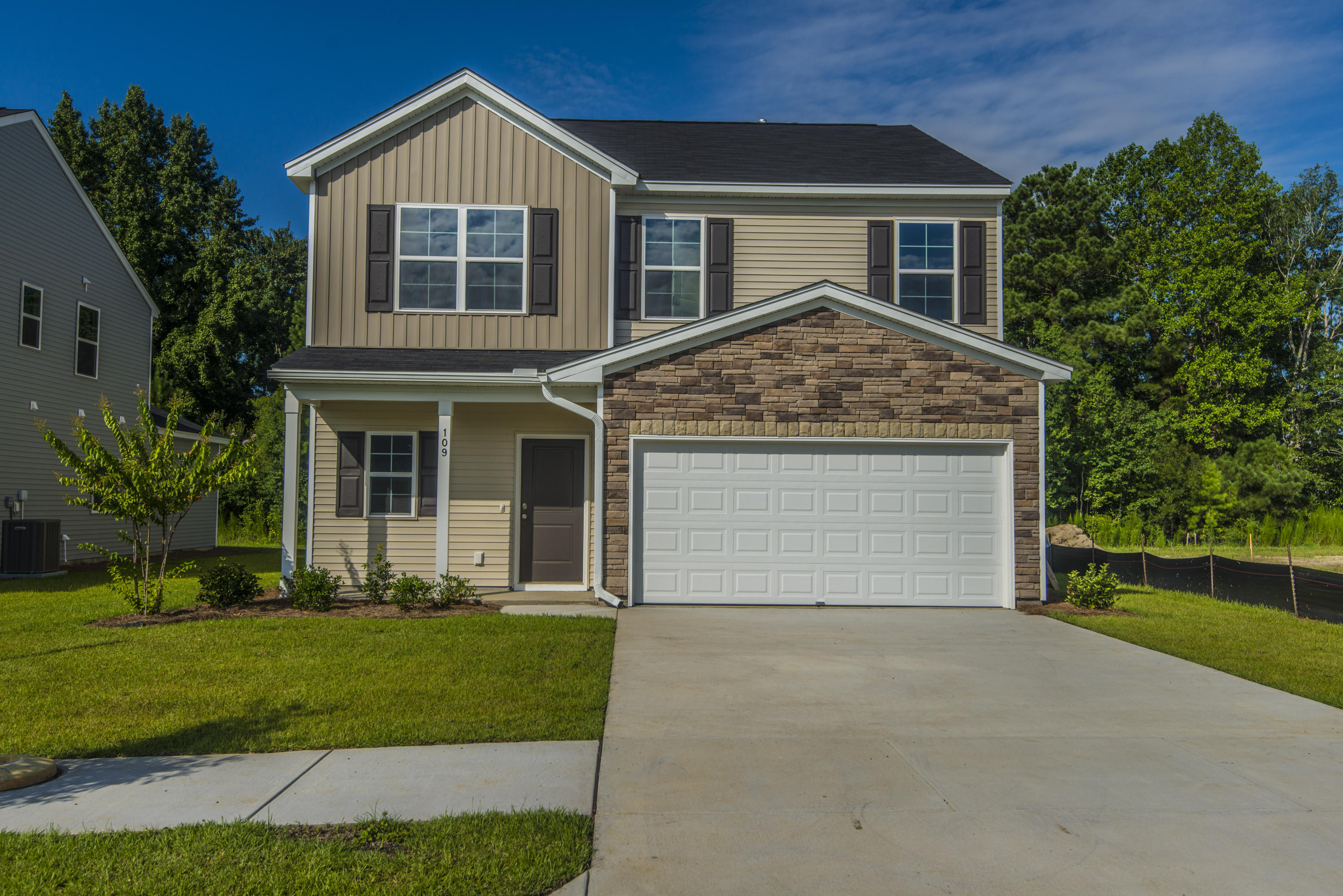 157 Clydesdale Circle Summerville, SC 29486
