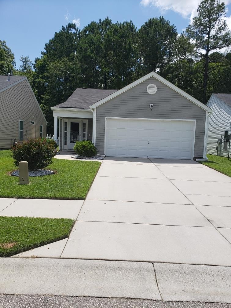141 Coosawatchie Street Summerville, SC 29485