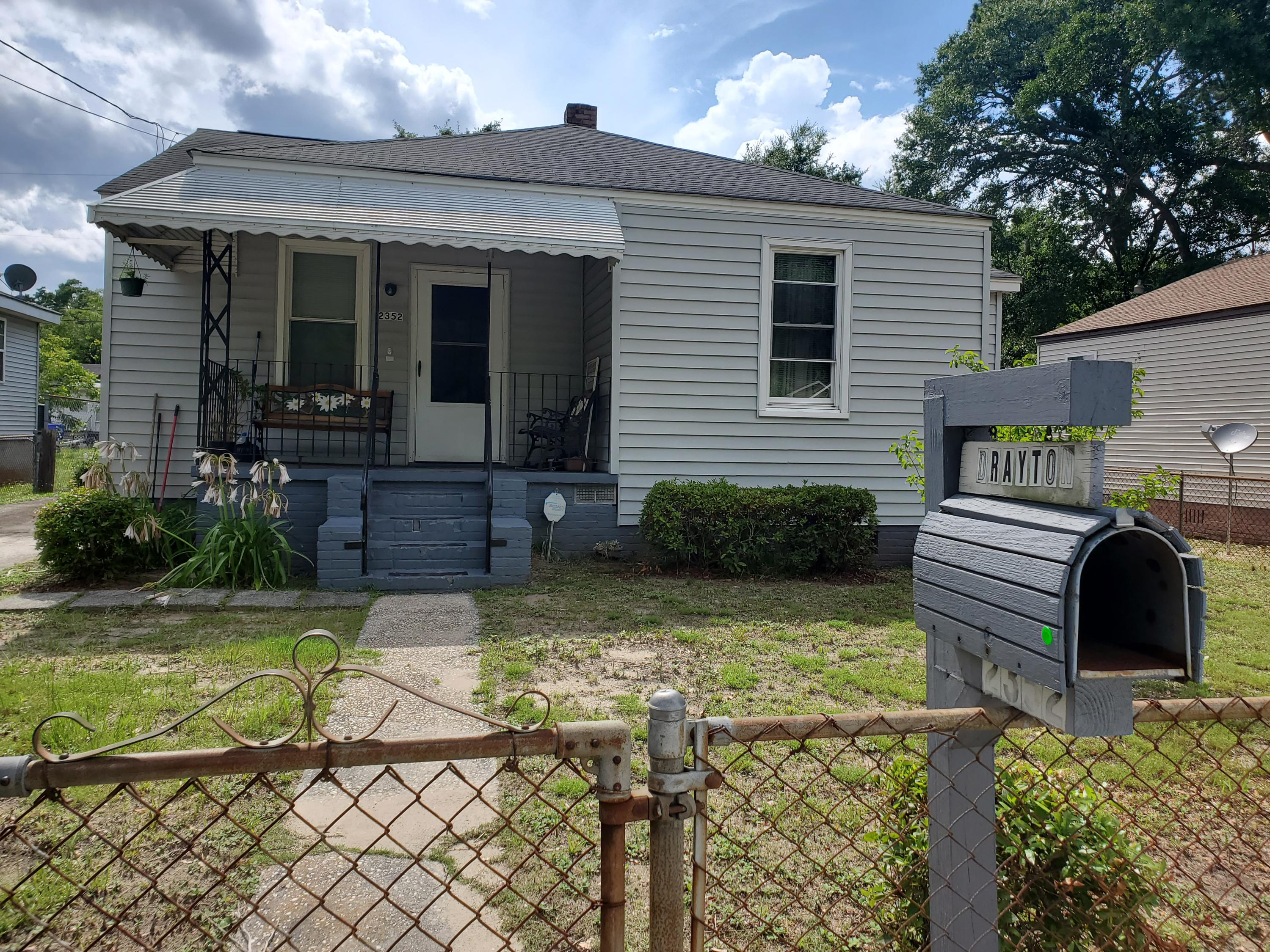 2352 Kent Avenue North Charleston, SC 29405