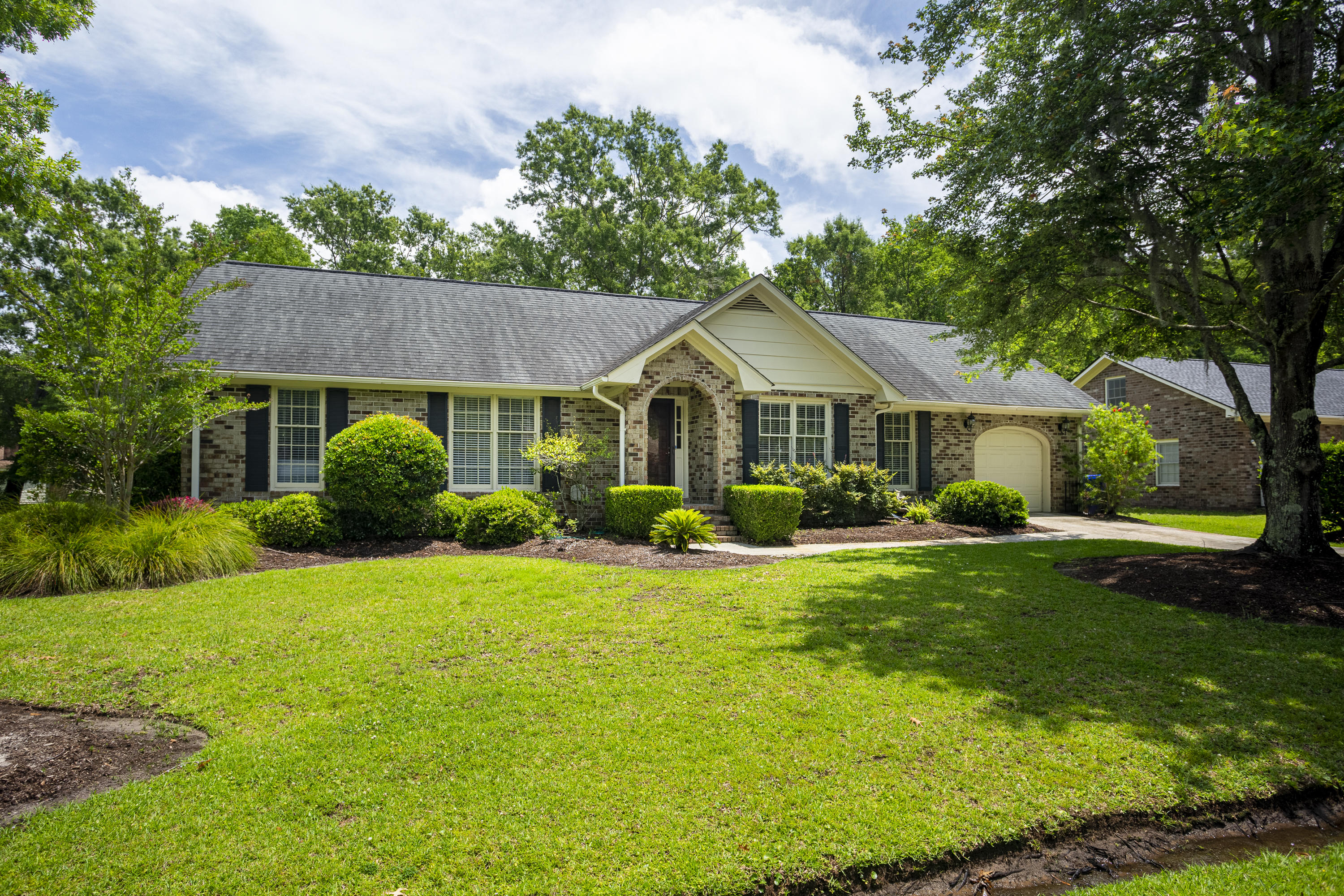 746 Longbranch Drive Charleston, SC 29414