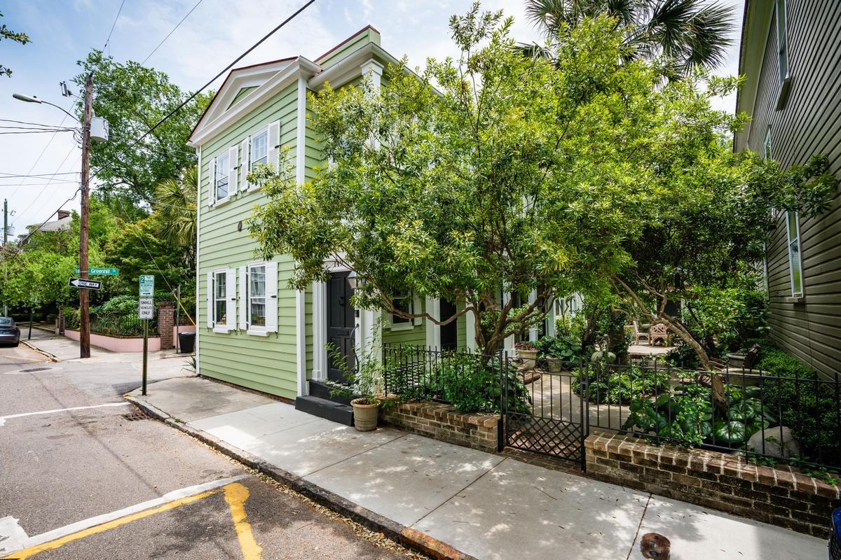 149 Tradd Street Charleston, SC 29401