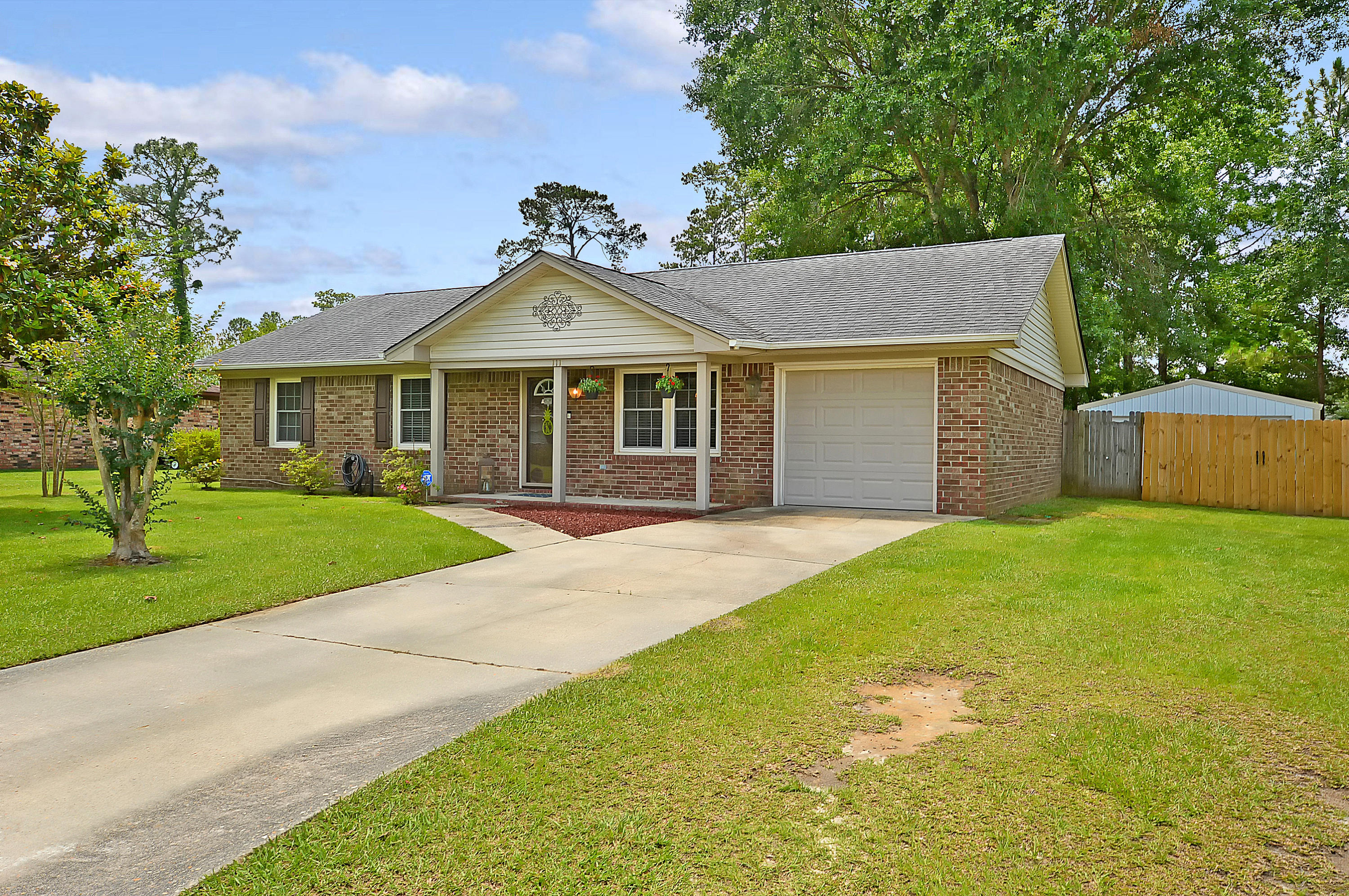 111 Forest Lane Summerville, SC 29486