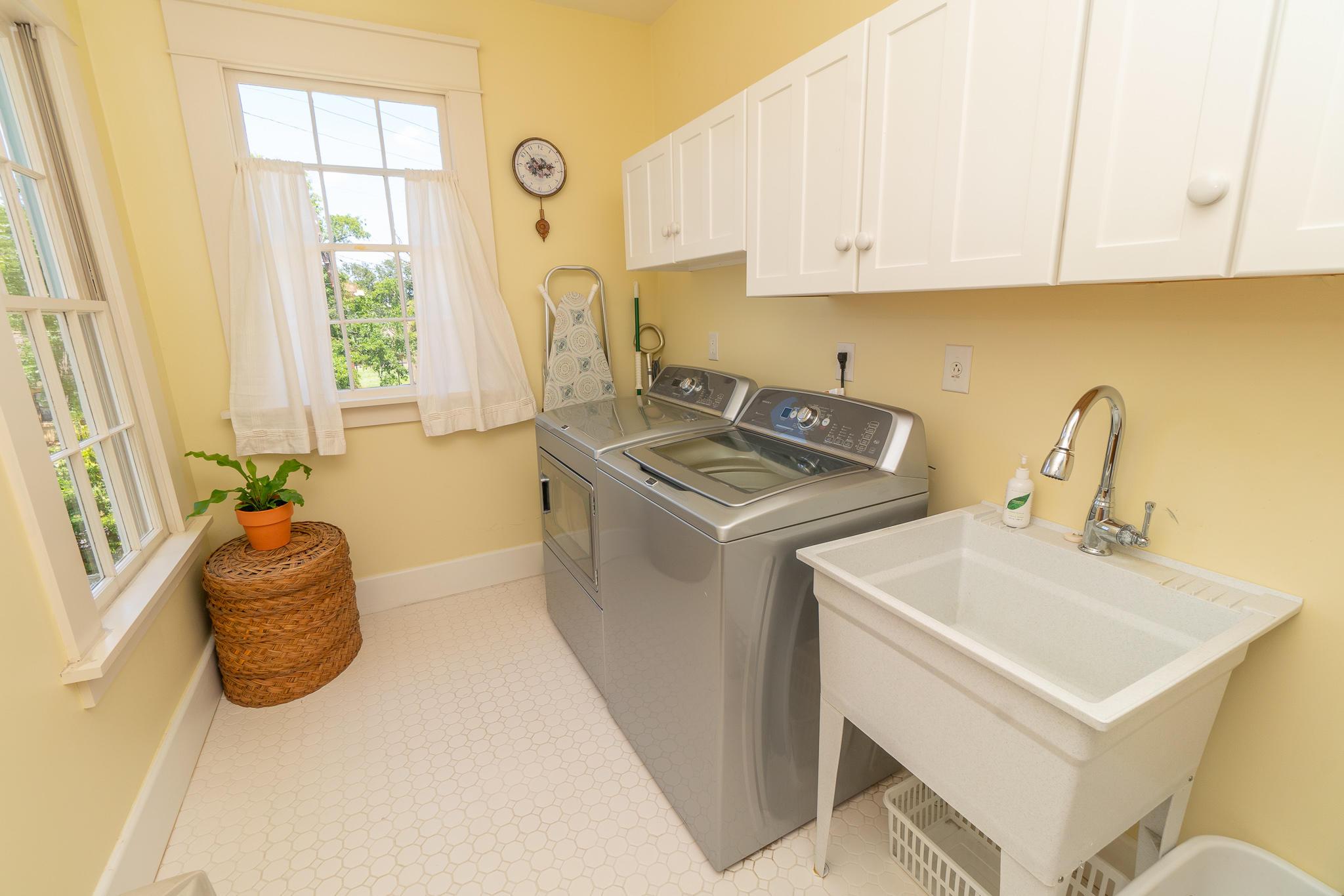 Wraggborough Homes For Sale - 4 Judith, Charleston, SC - 29