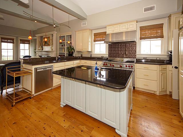 Sullivans Island Homes For Sale - 904 Middle, Sullivans Island, SC - 40