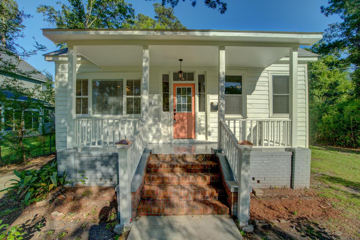 207 N Walnut Street Summerville, SC 29483
