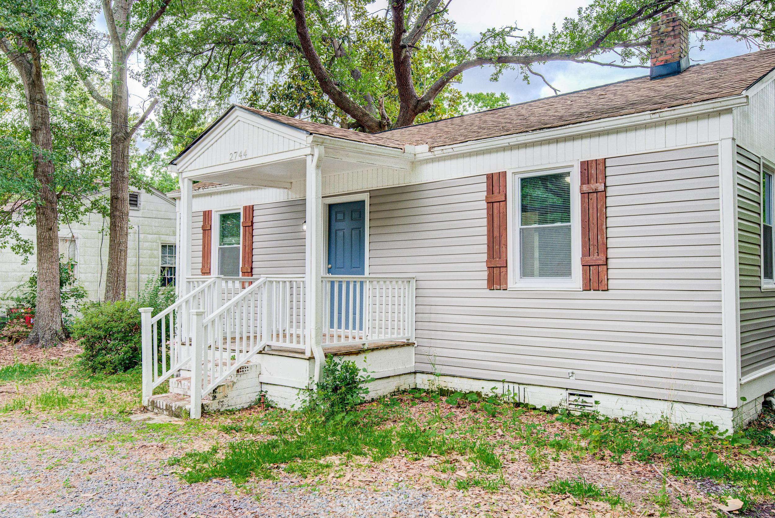2744 Saratoga Road North Charleston, SC 29405