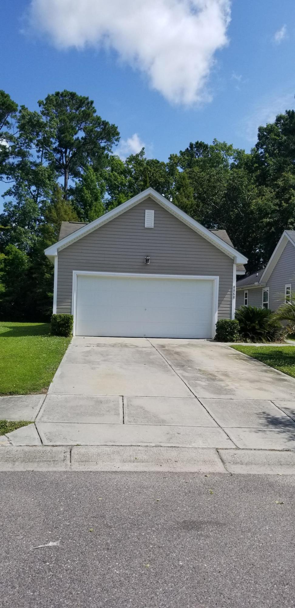 8868 Arbor Glen Drive North Charleston, SC 29420