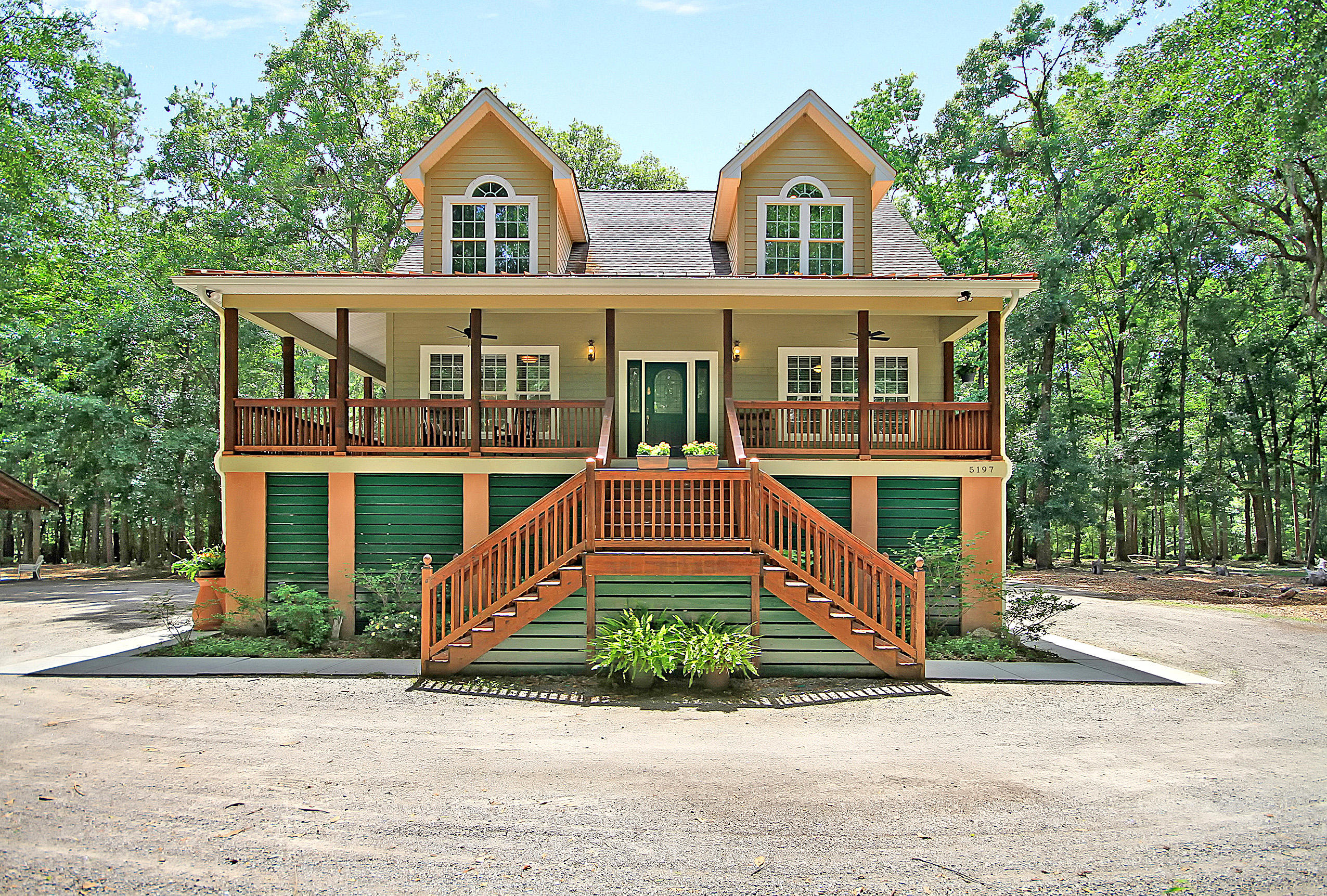5197 Kuzia Road Meggett, SC 29449