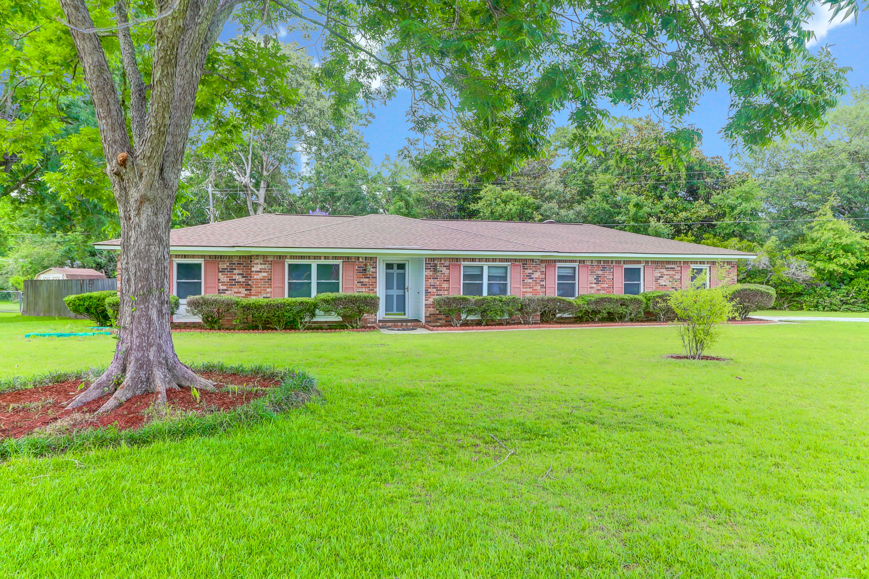 2034 Dogwood Road Charleston, SC 29414