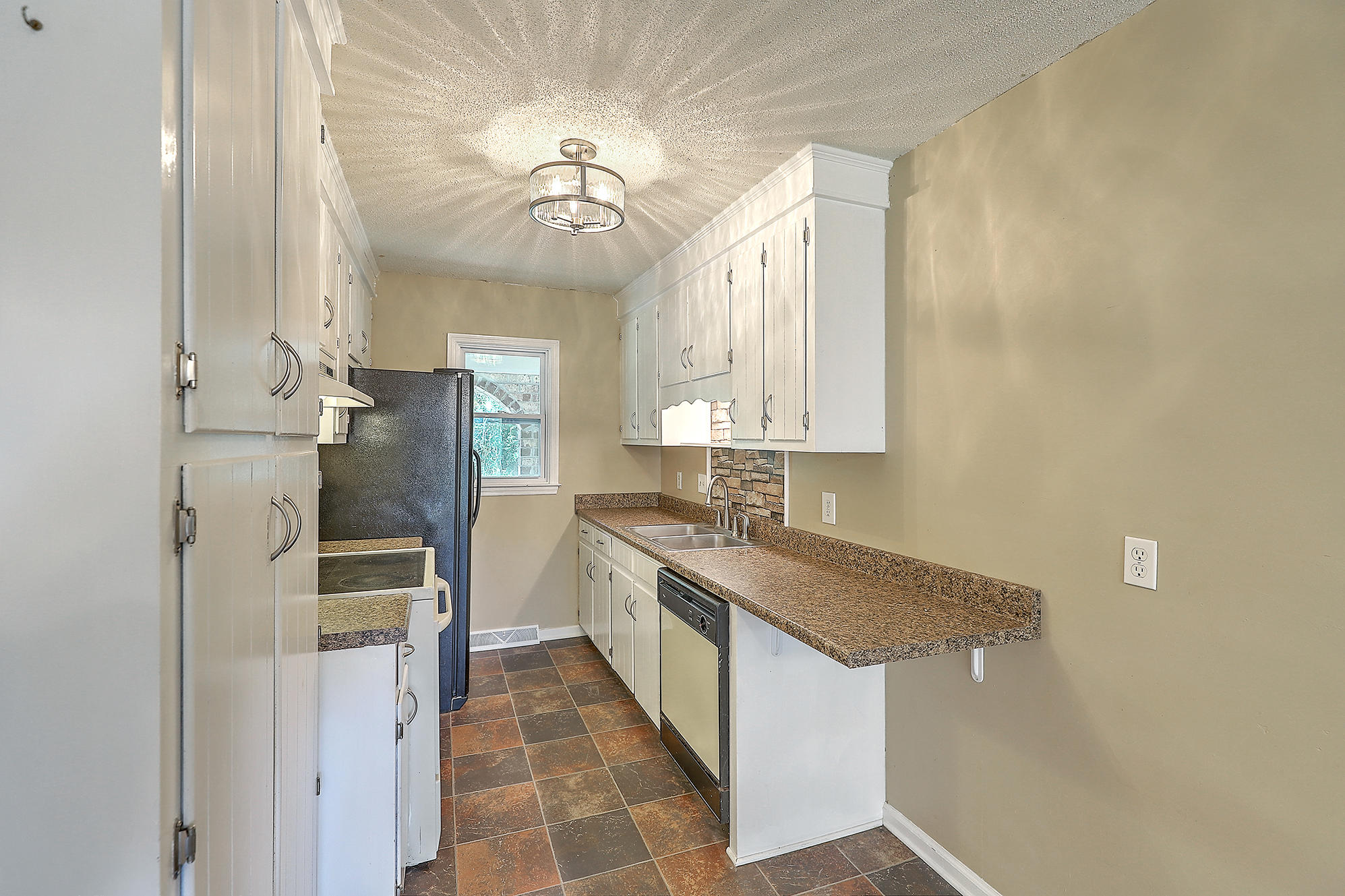 Oakland Homes For Sale - 344 Shore, Charleston, SC - 1