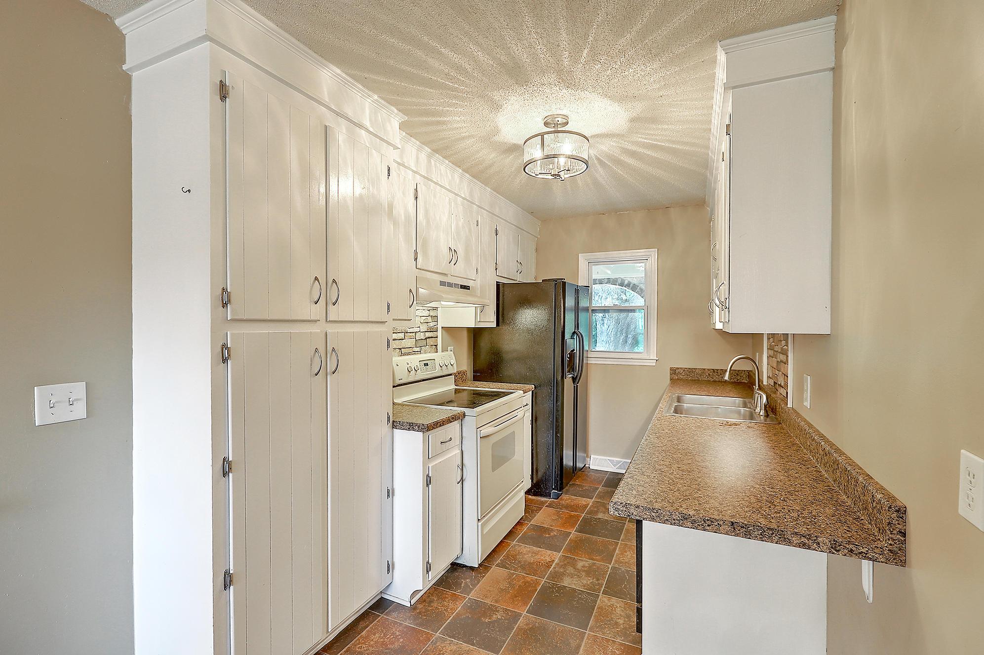 Oakland Homes For Sale - 344 Shore, Charleston, SC - 2