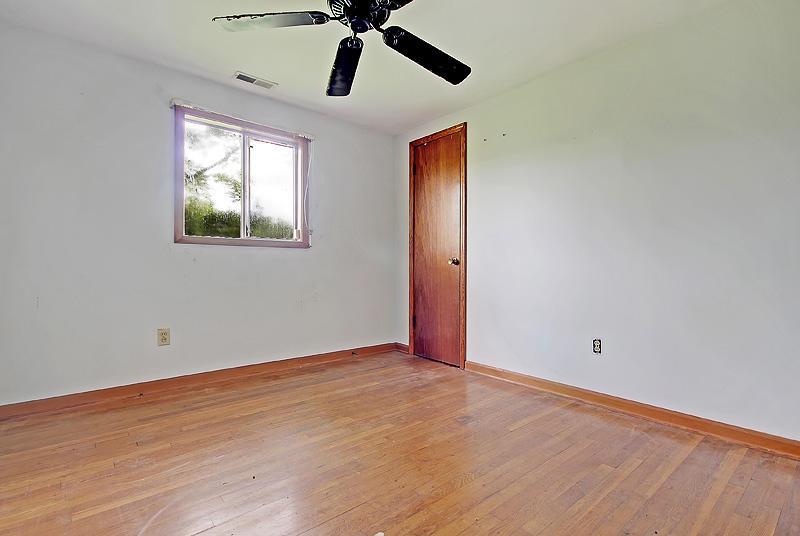 1056 Glenshaw Street North Charleston, SC 29405