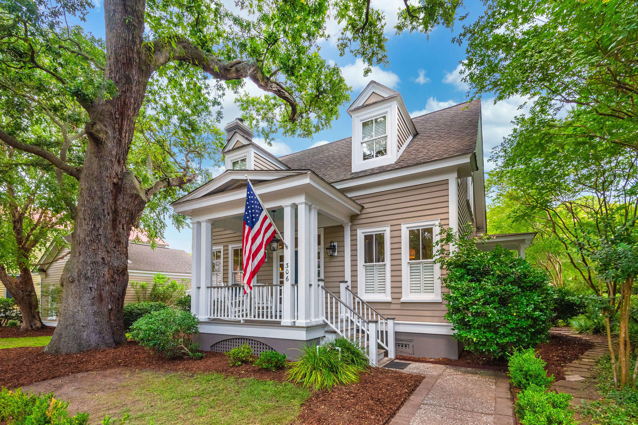 306 N Shelmore Boulevard Mount Pleasant, SC 29464