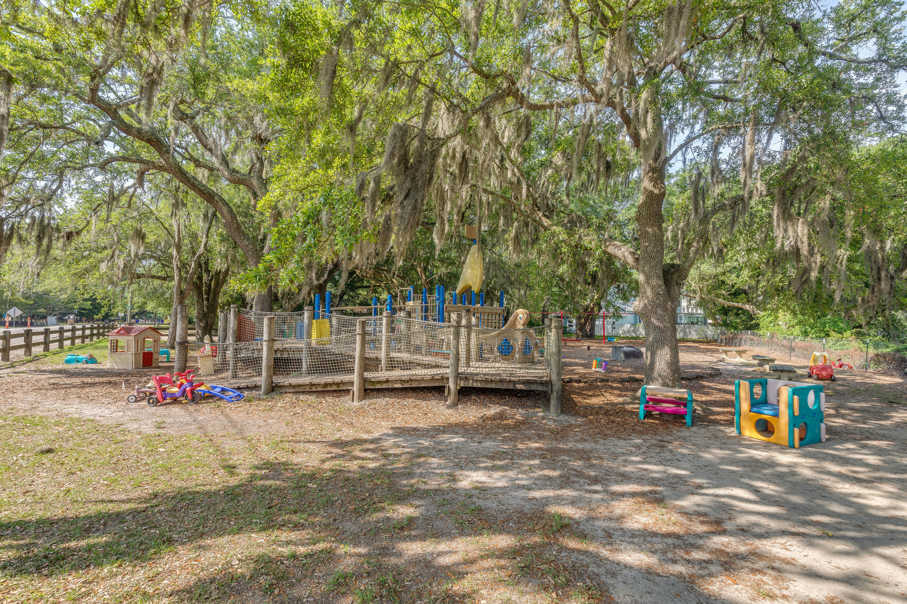 Riverland Terrace Homes For Sale - 2068 Wappoo Hall, Charleston, SC - 23