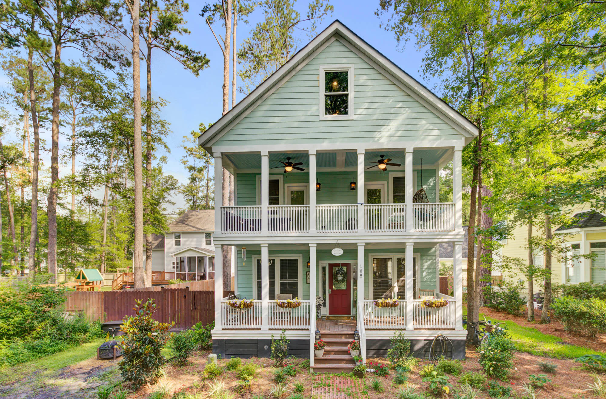108 Lowndes Lane Summerville, SC 29483