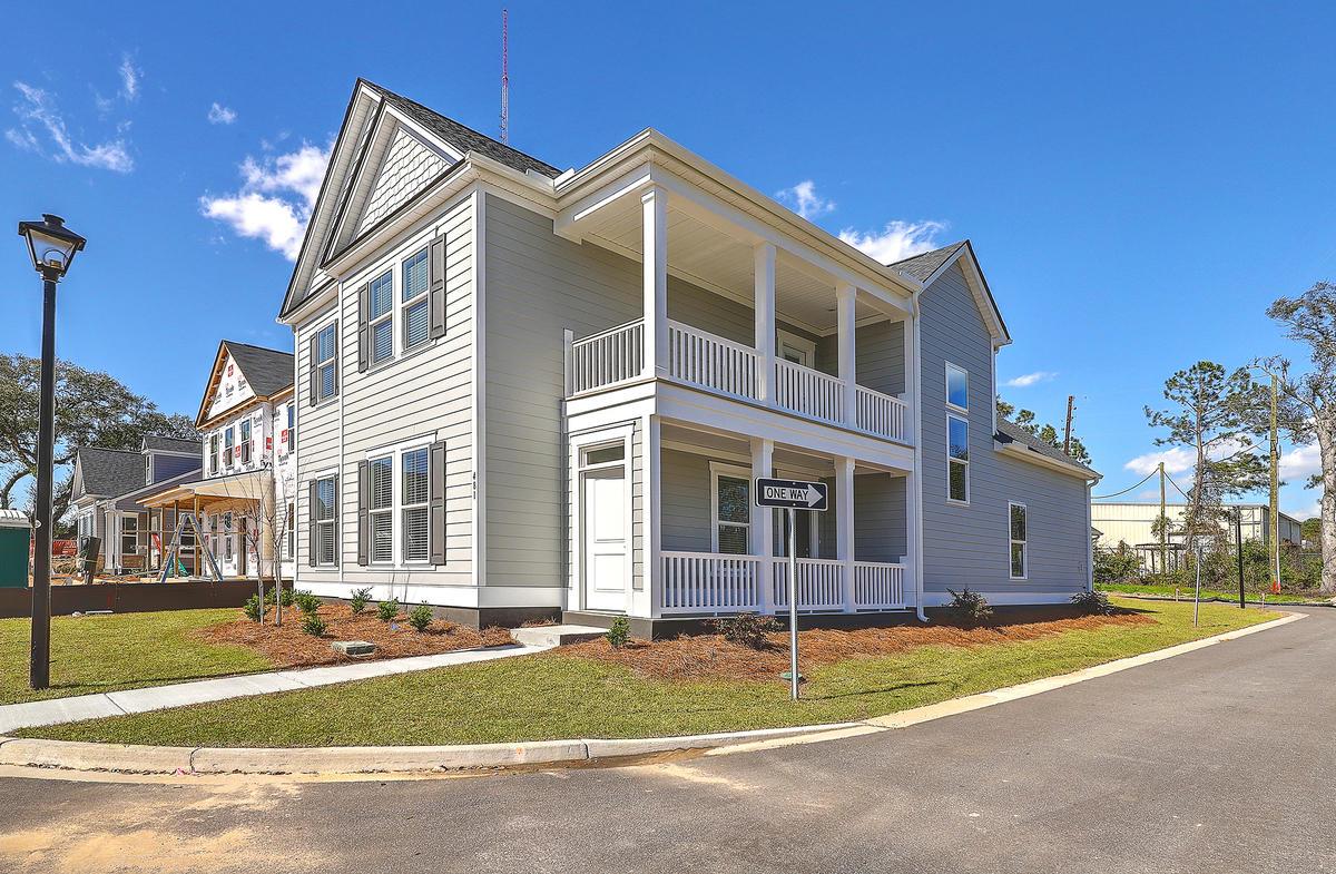 700 Spring Hollow Drive Charleston, SC 29492