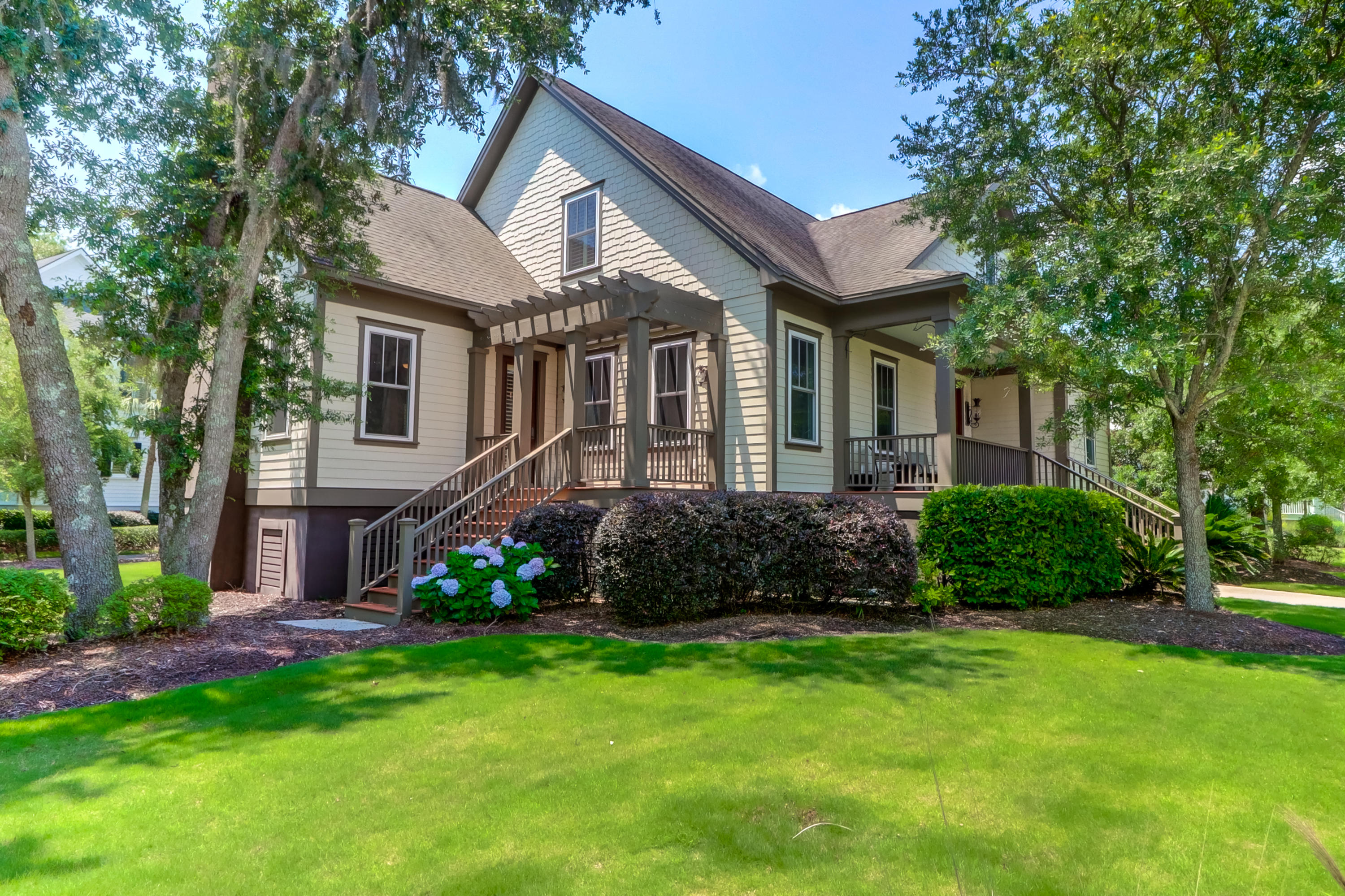539 Park Crossing Drive Charleston, SC 29492