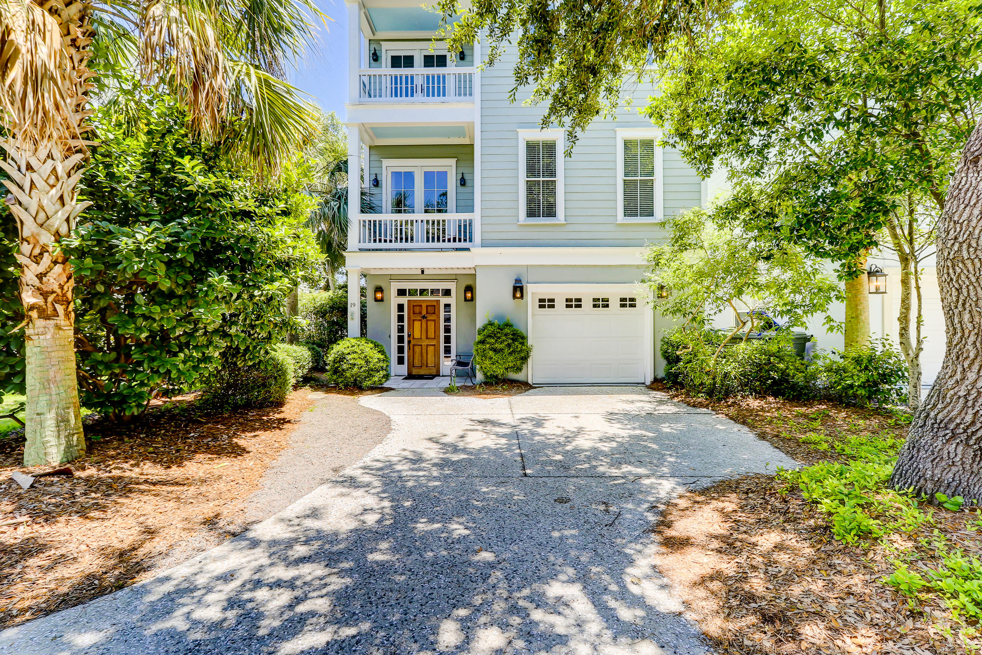 19 Yacht Harbor Court Isle Of Palms, SC 29451