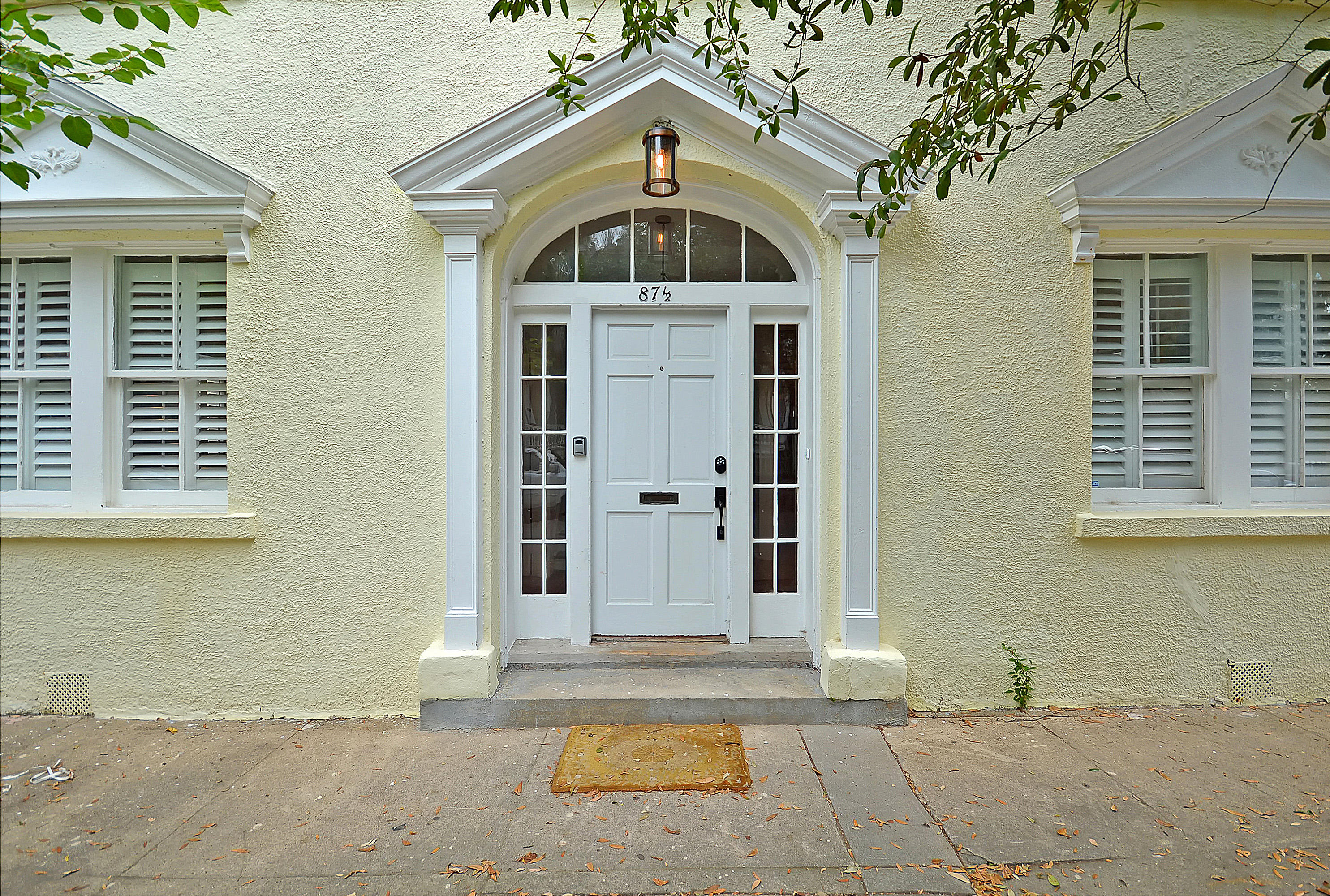 87 1/2 Warren Street Charleston, SC 29403
