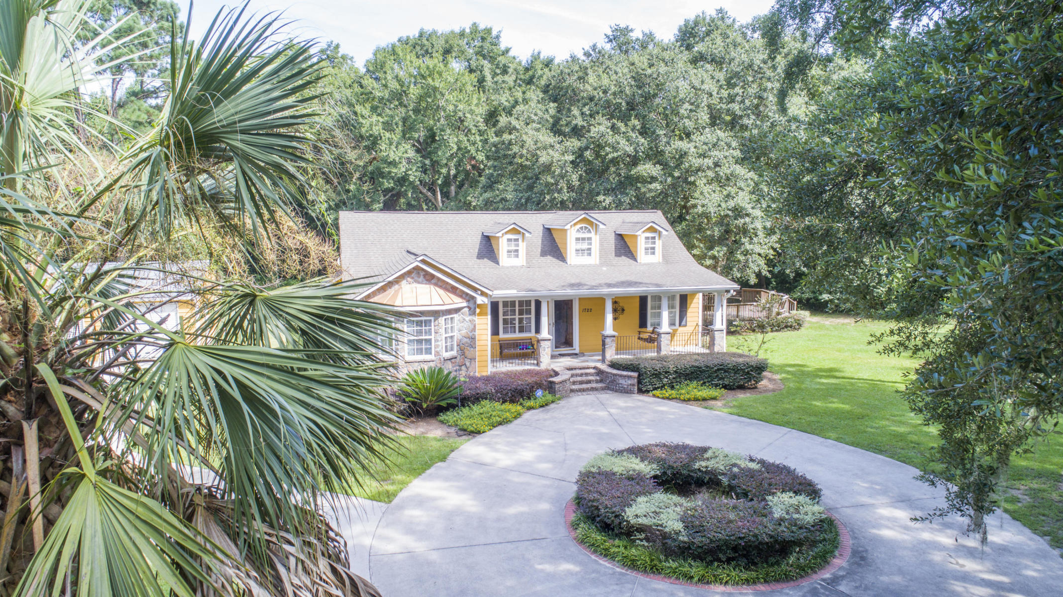 1722 Latroy Avenue Mount Pleasant, SC 29464