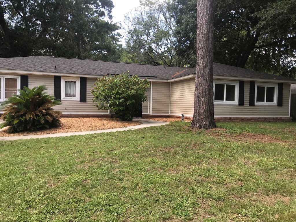 1306 Bob White Drive Charleston, Sc 29412