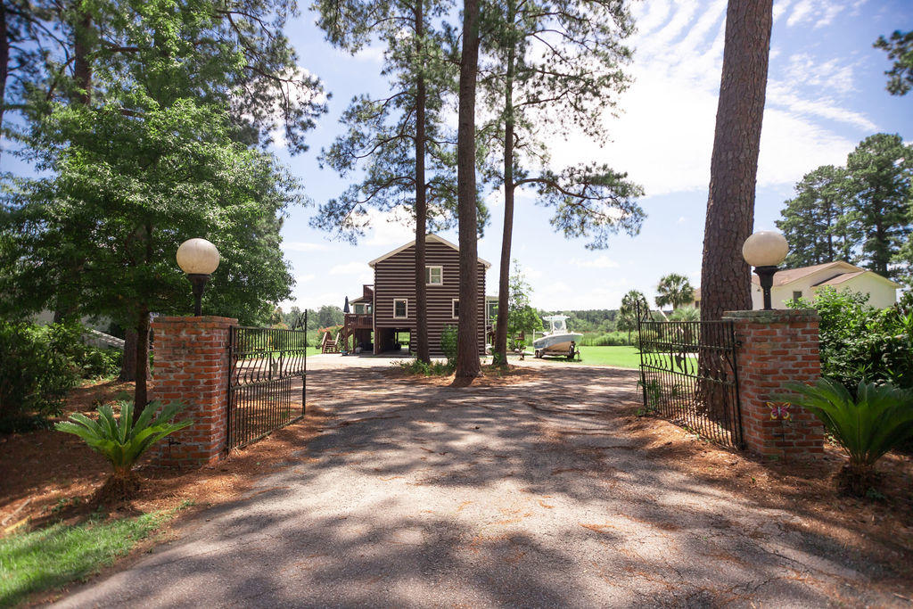 340 Ashepoo Drive Green Pond, SC 29446