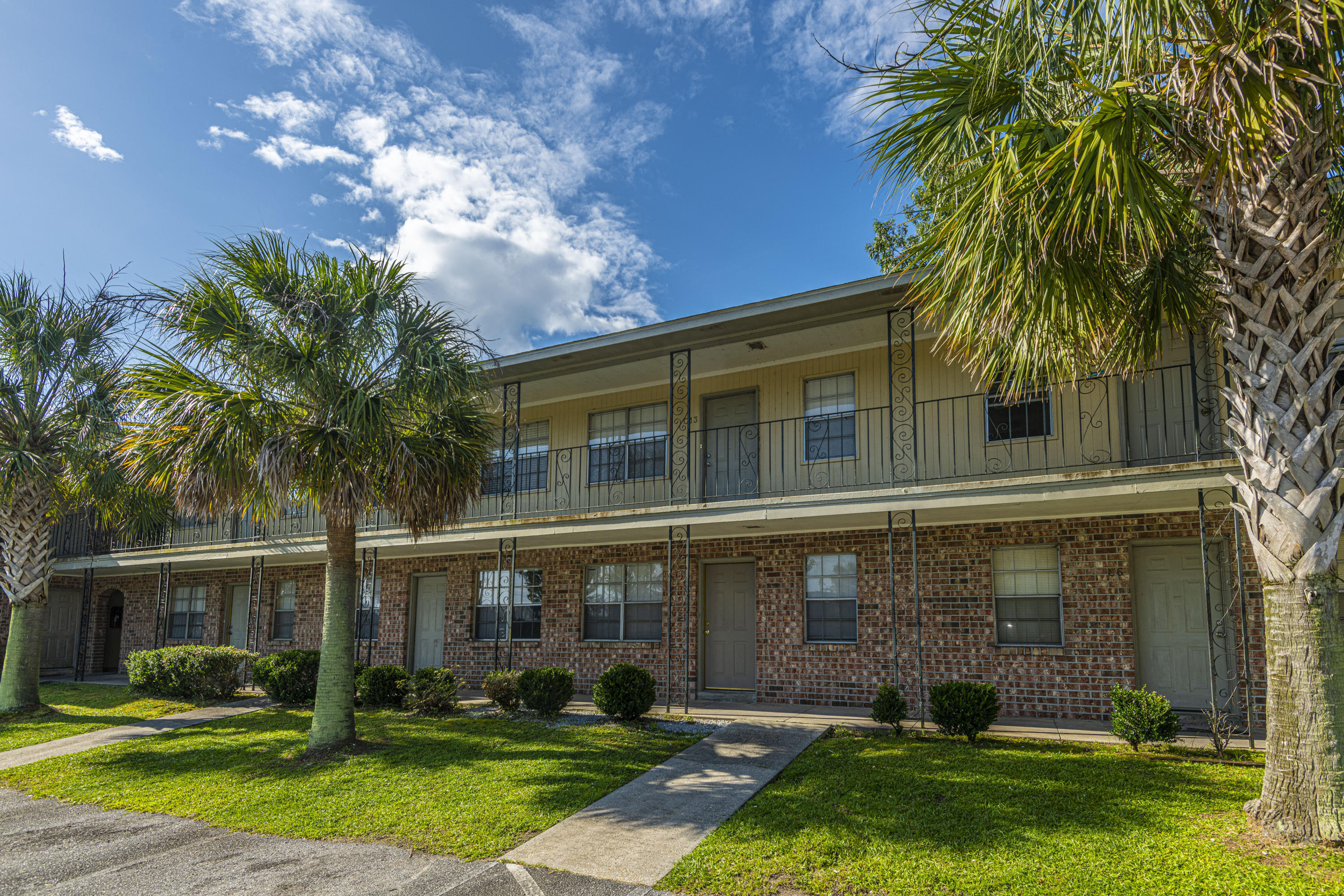 6240 Old Point Road UNIT C-16 Hanahan, SC 29410