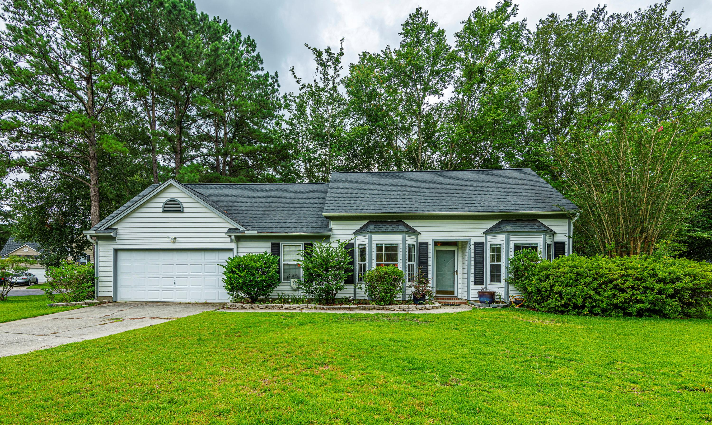 100 Seavington Court Summerville, SC 29485