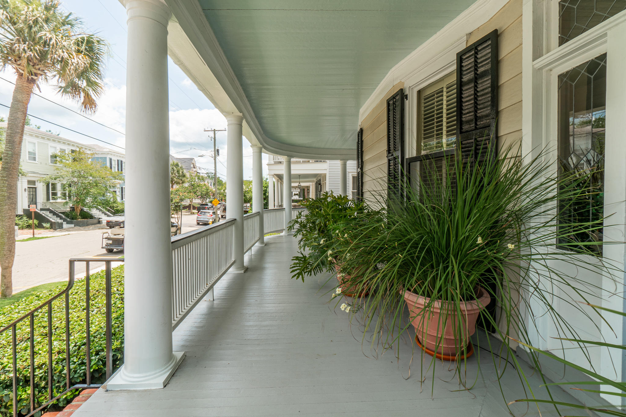 11 Rutledge Avenue Charleston, SC 29401
