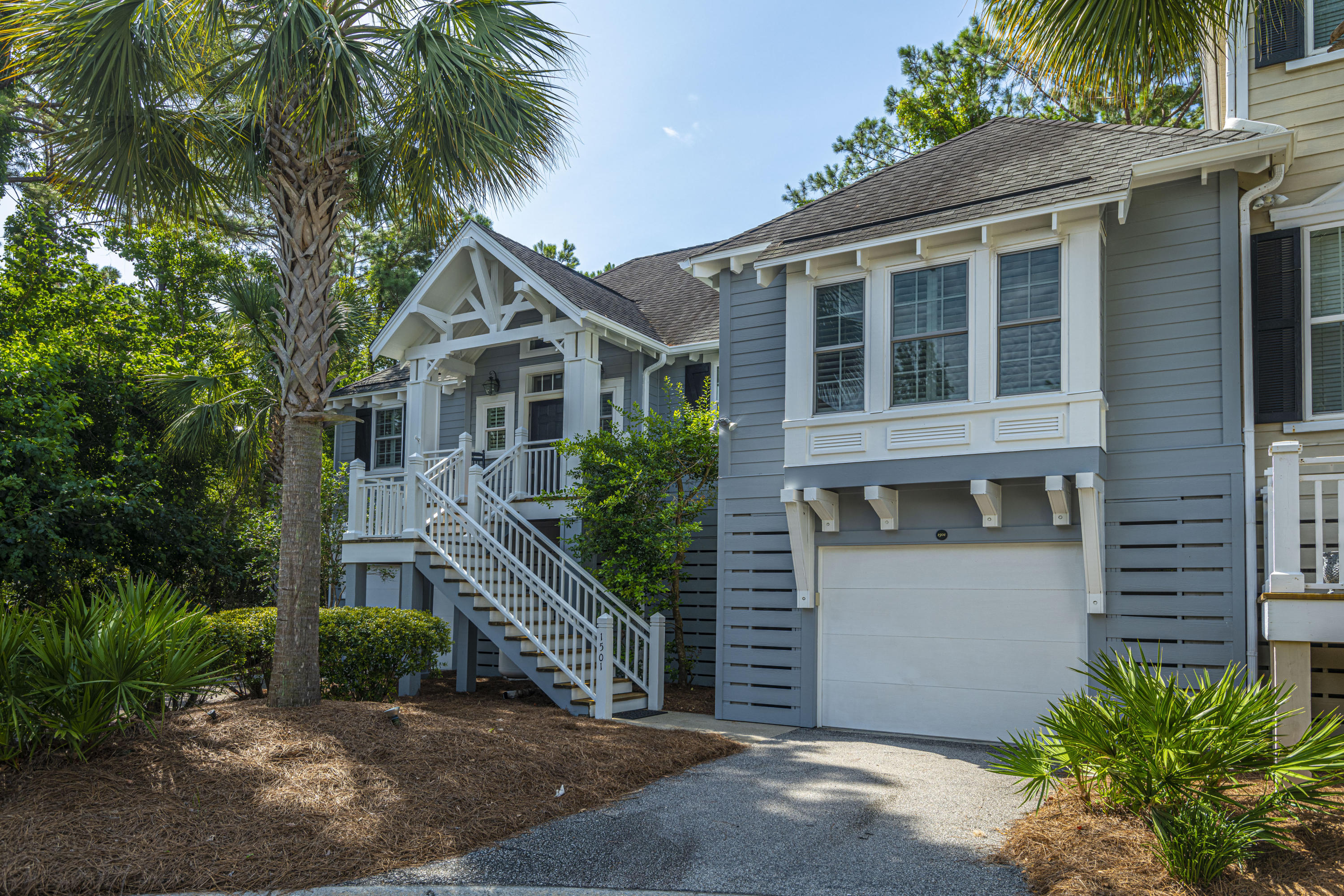 1501 Dutch Iris Court Mount Pleasant, SC 29464
