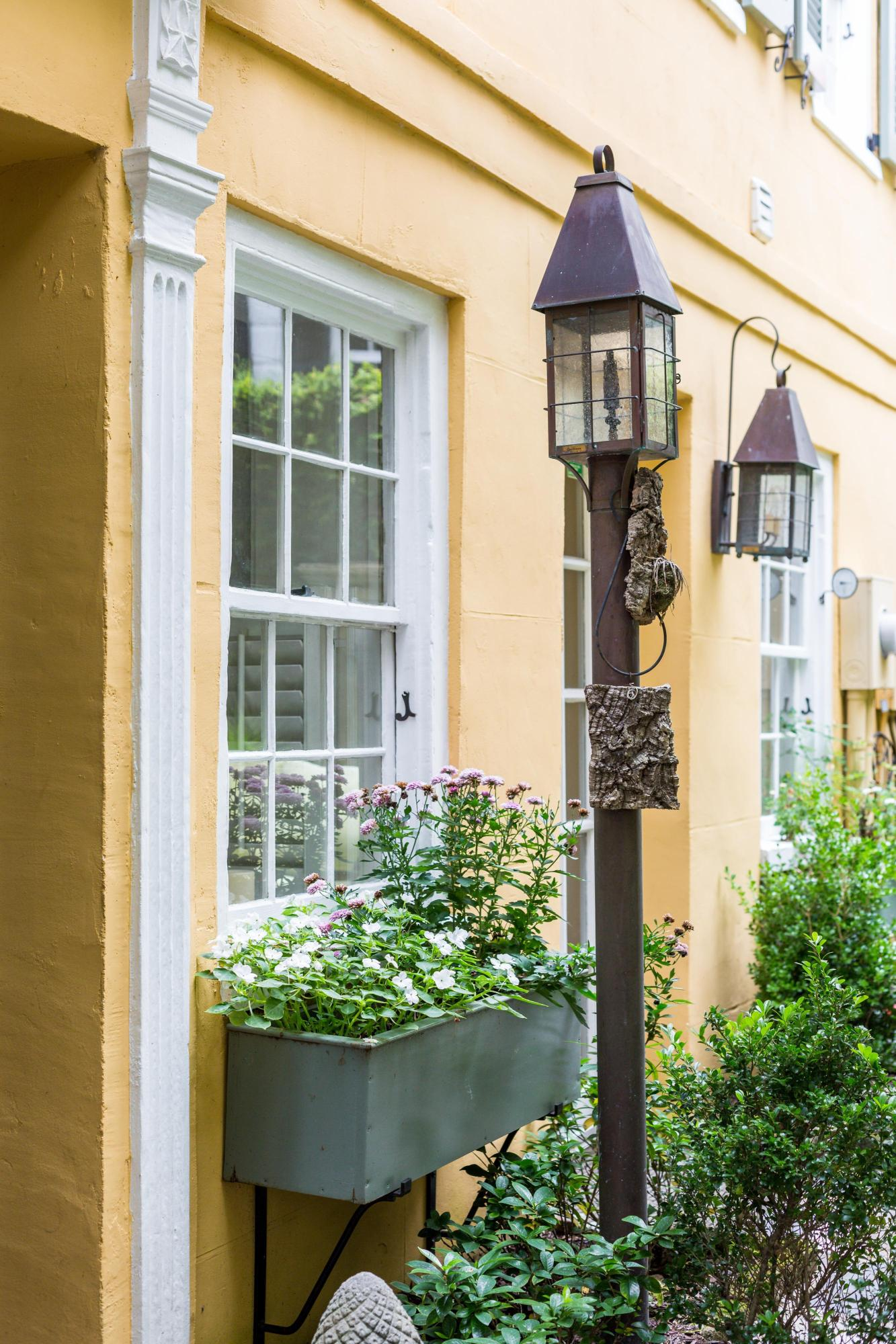 61 1/2 Tradd Street Charleston, SC 29401
