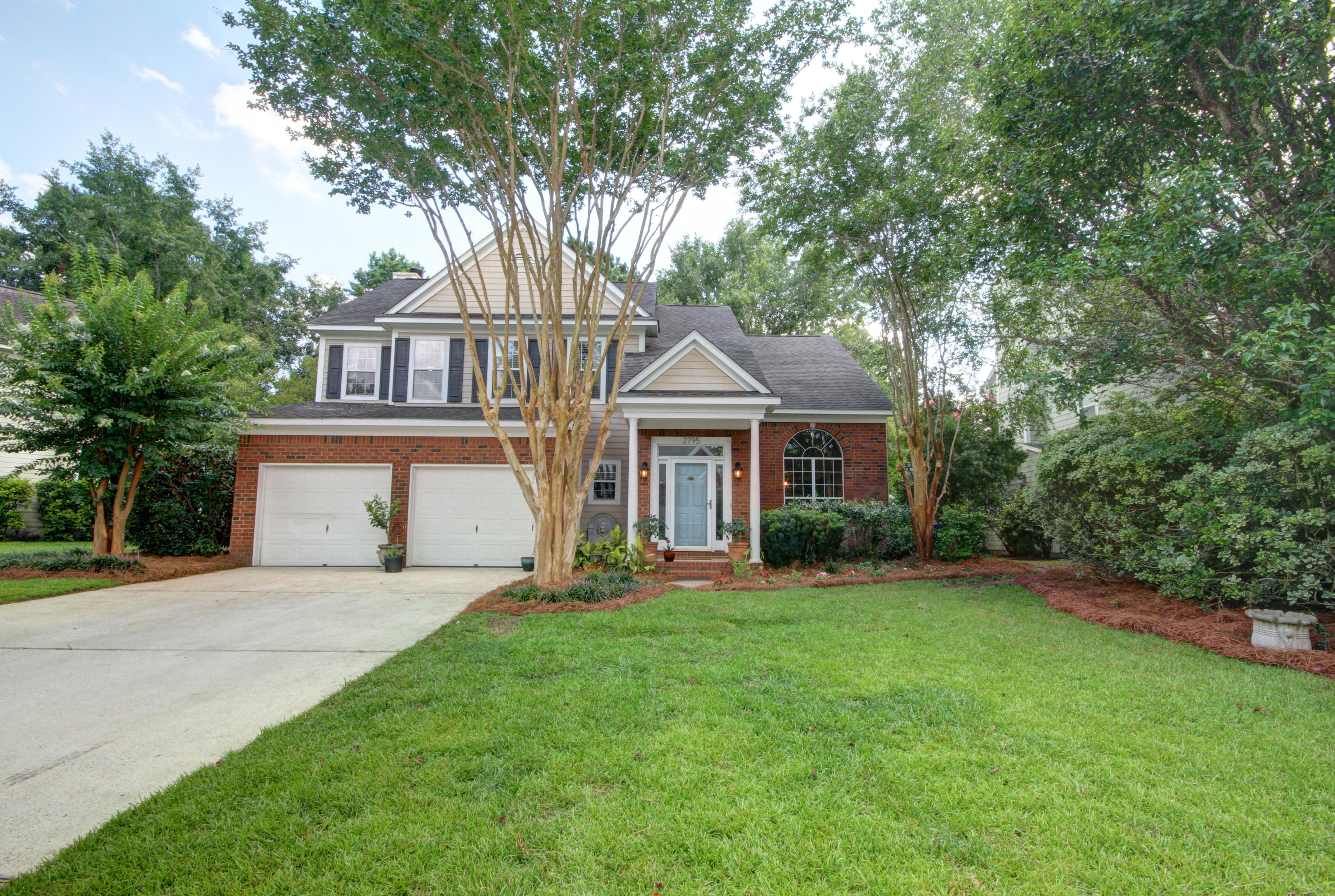 2795 Seastrand Lane Mount Pleasant, SC 29466