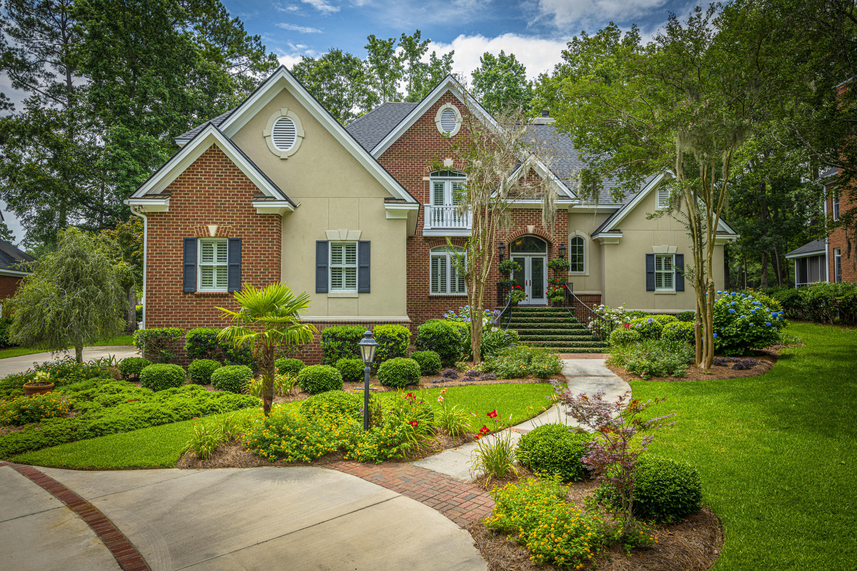 8642 W Fairway Woods Drive North Charleston, SC 29420