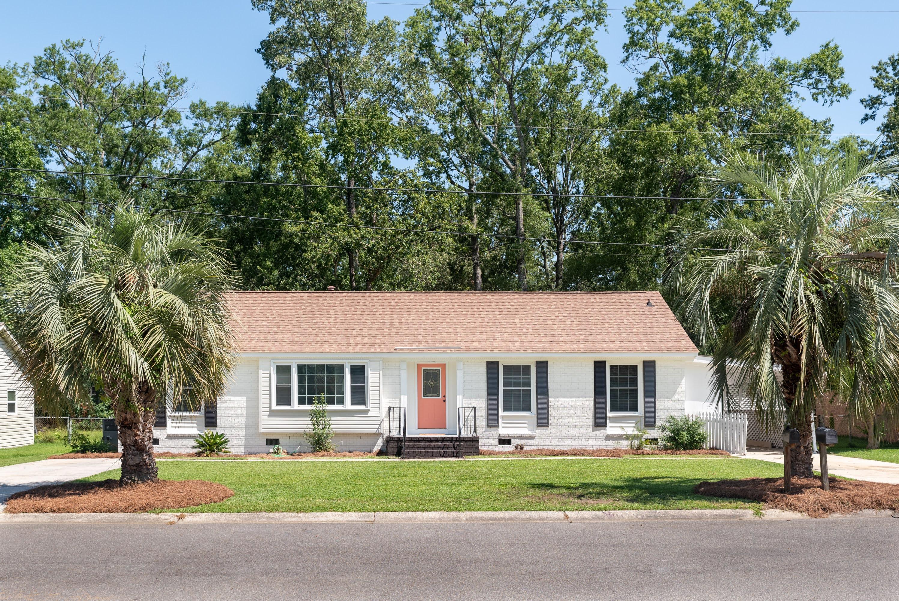 3418 Pinoca Lane North Charleston, SC 29420