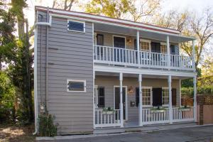 9 Montagu Court, Charleston, SC 29401