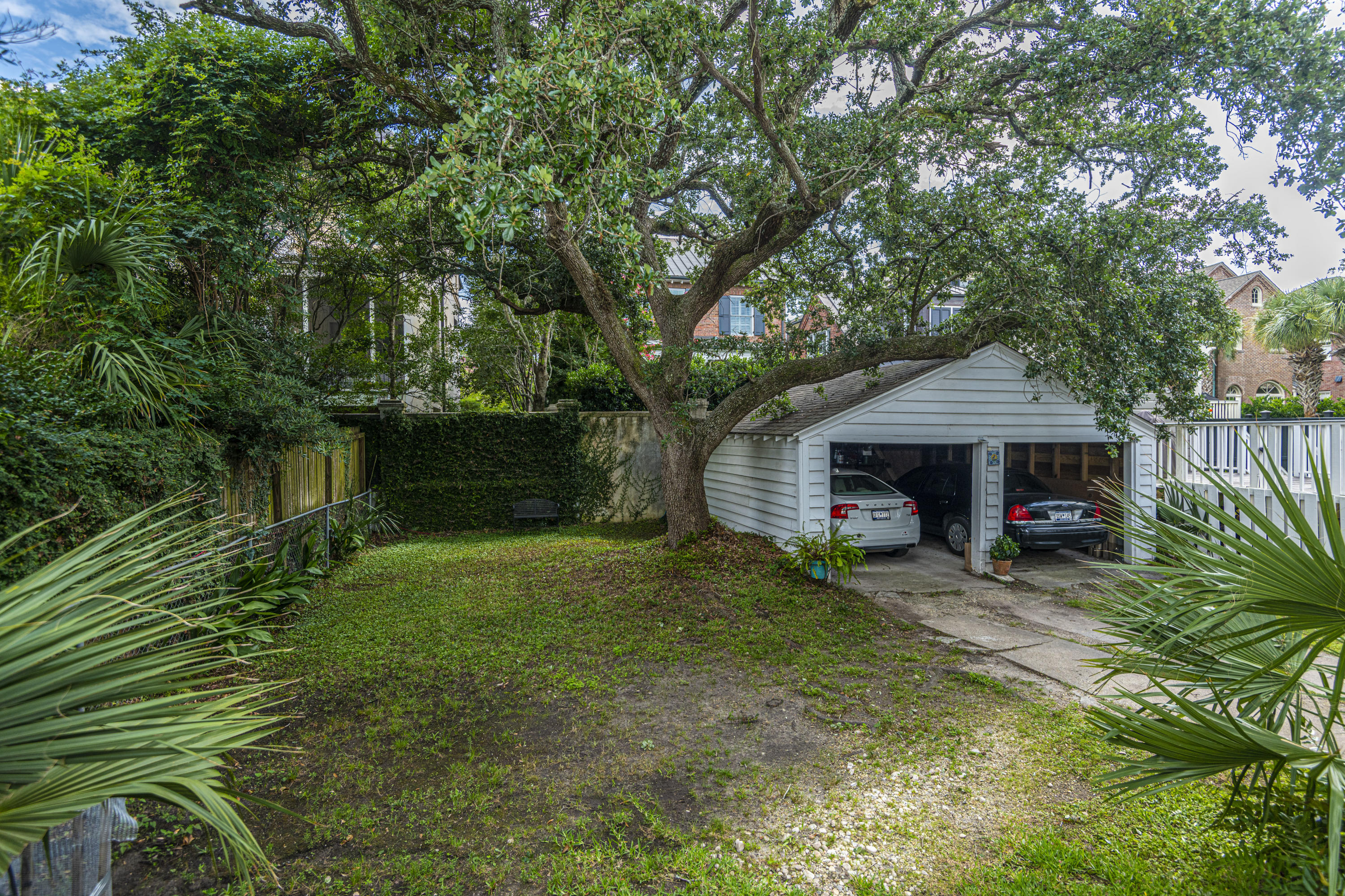 South of Broad Homes For Sale - 31 Gibbes, Charleston, SC - 2