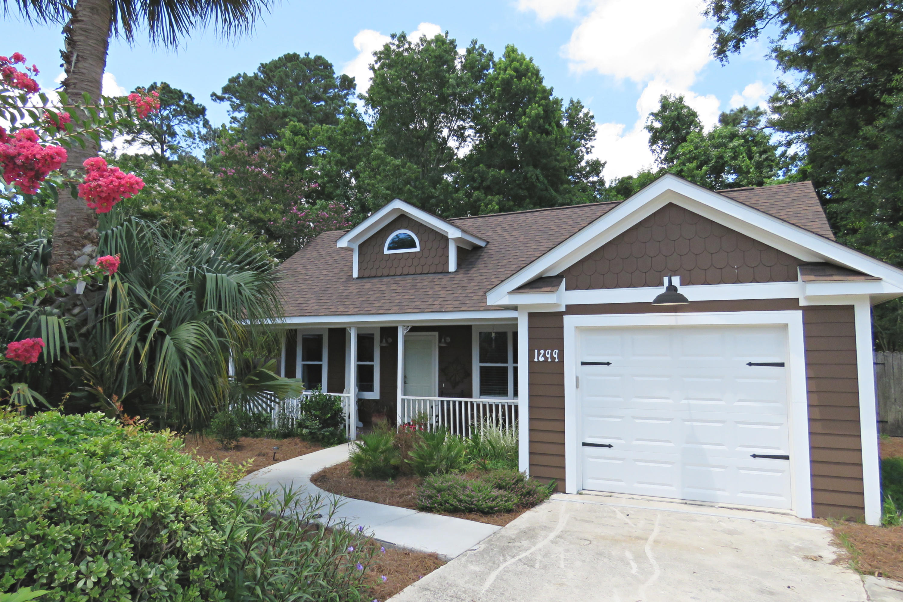 1299 Llewellyn Road Mount Pleasant, SC 29464